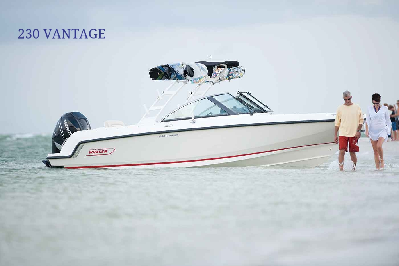 Boston-Whaler-230-Vantage-Gallery-1.jpg