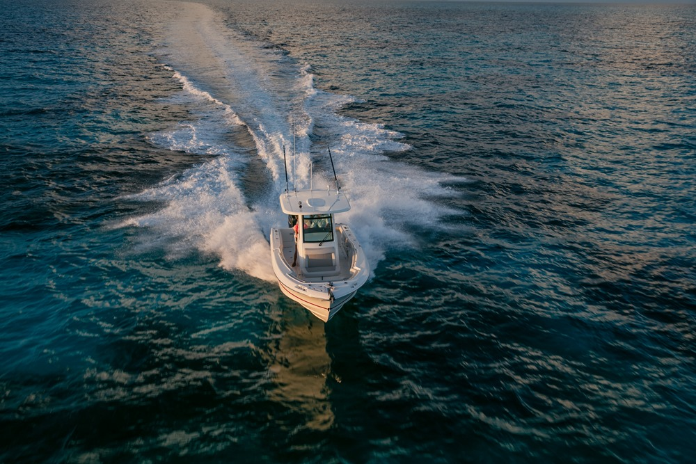 Boston-Whaler-250-Outrage-Gallery-6.jpg