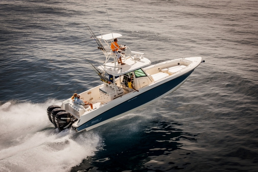 Boston-Whaler-330-Outrage-Gallery-5.jpg