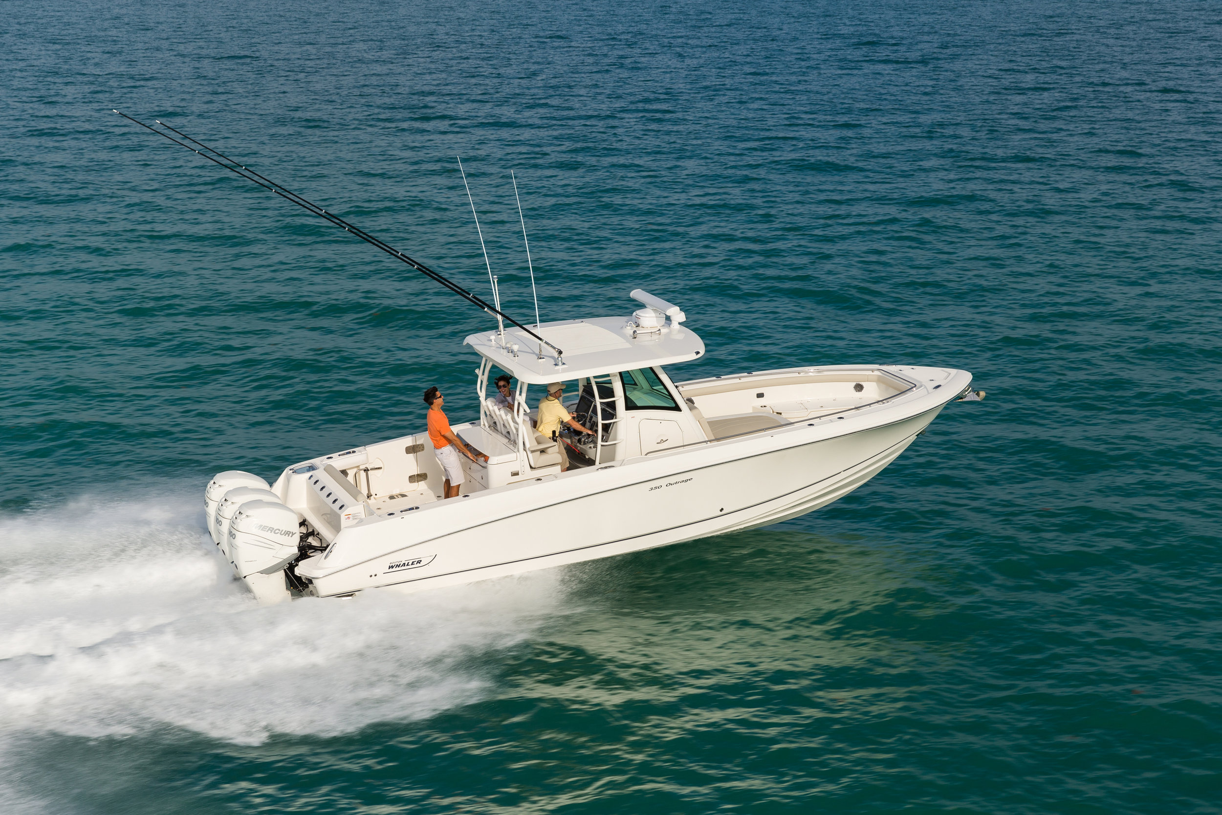 Boston-Whaler-350-Outrage-Gallery-1.jpg
