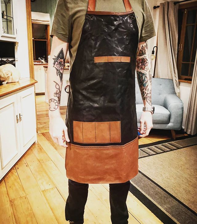 Yesterday was a big day! Made this barber's apron for my mate @mhtrigg then we wrinkled it for extra cool factor! It features pockets for his scissors, combs, and straight razor, as well as top slots for hair clips! Took all day and streamed the whole process.