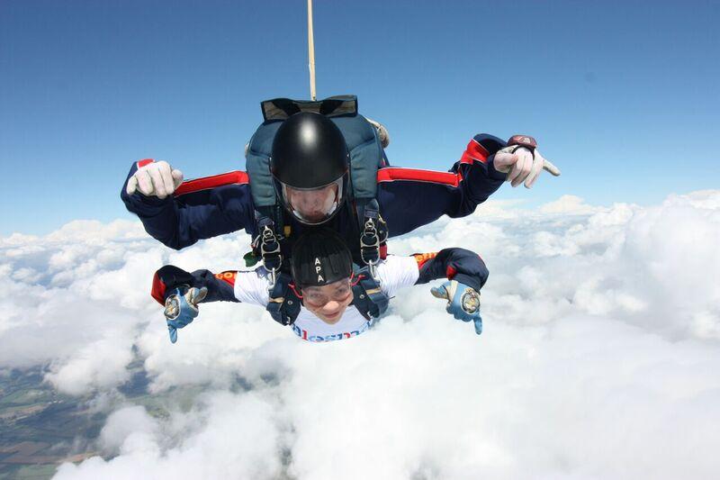 Kate Todd sky dive 2.jpg