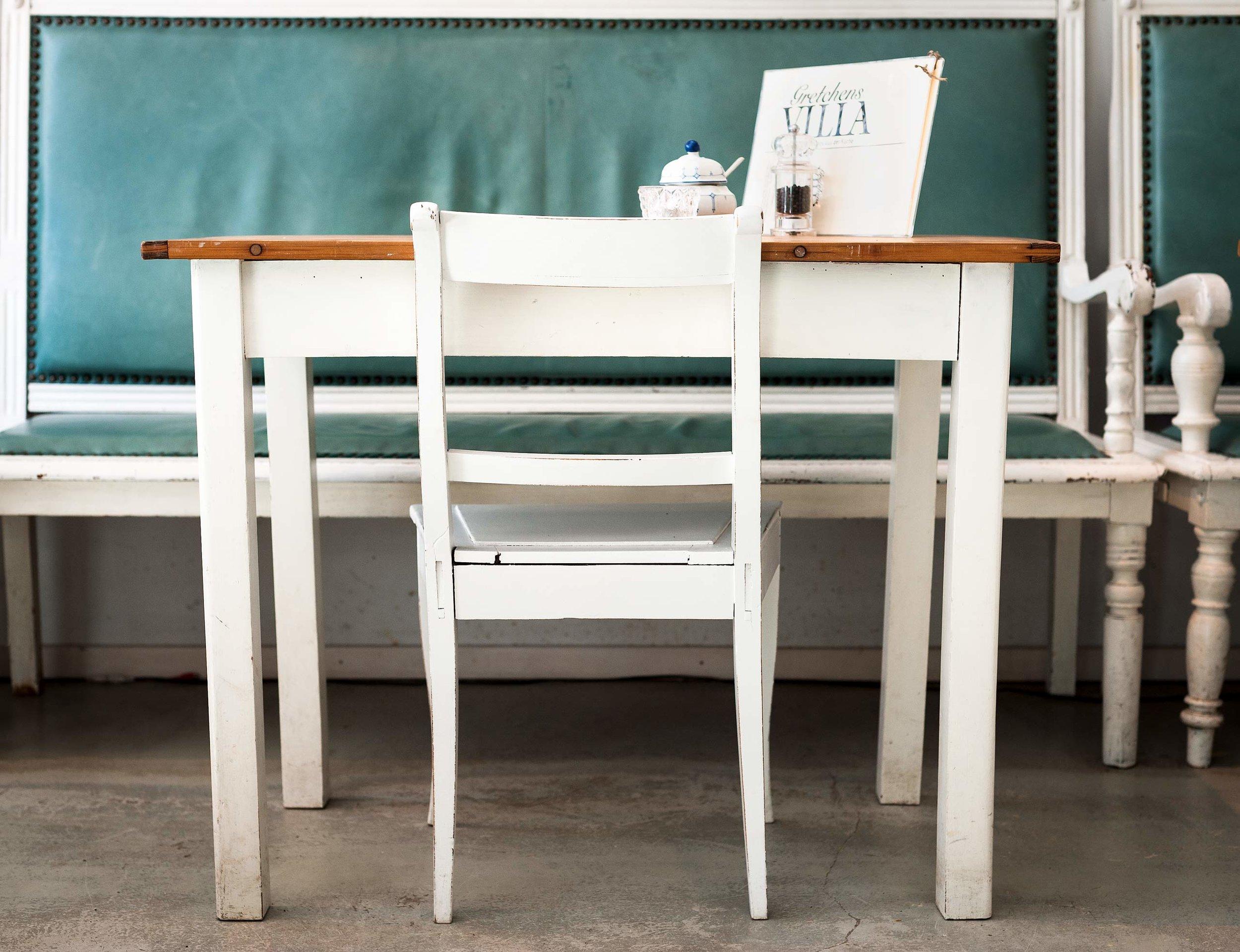 Tisch und Stuhl - Stil