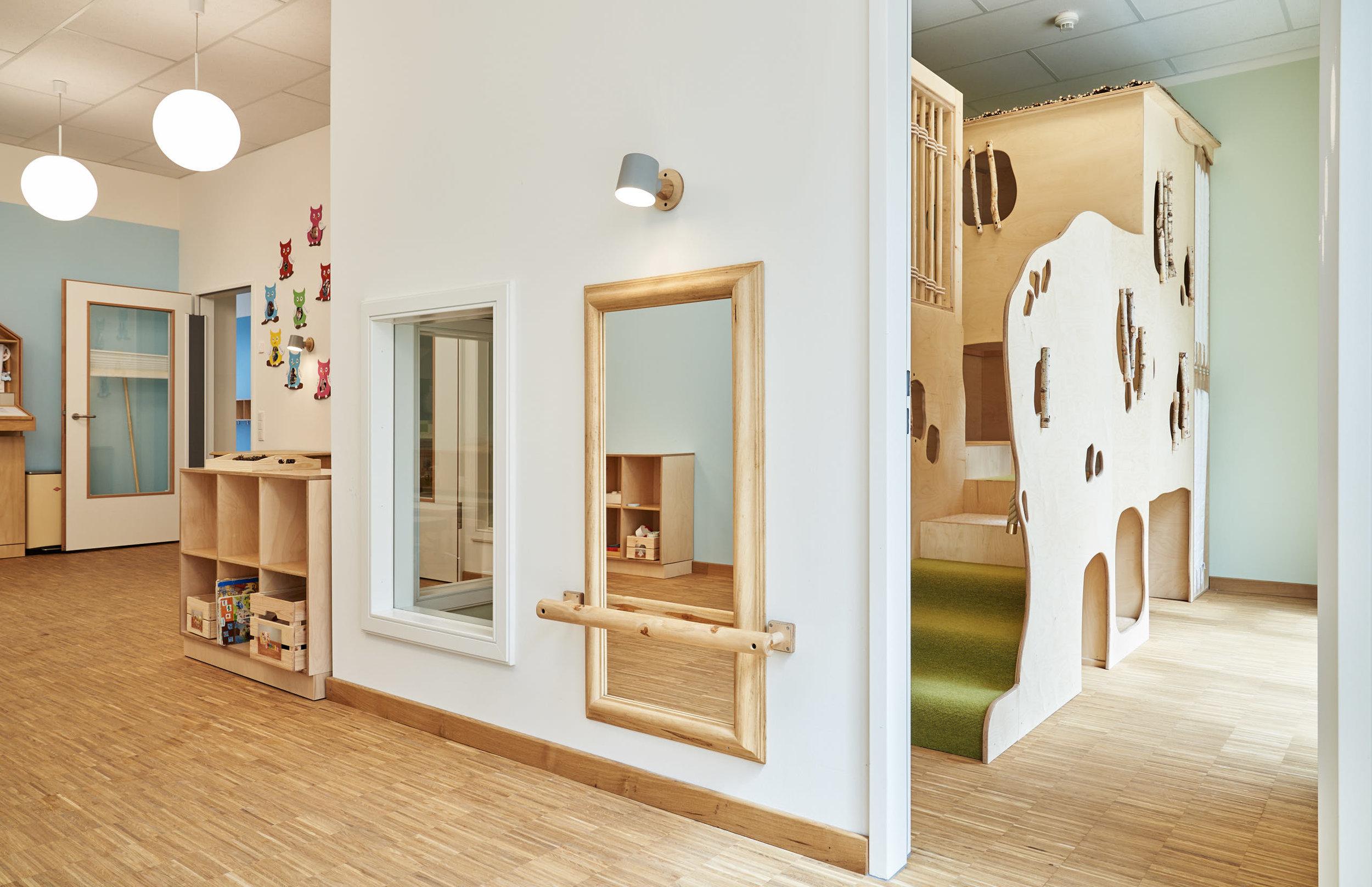Elementarbereich mit viel Holz und Liebe zum Detail