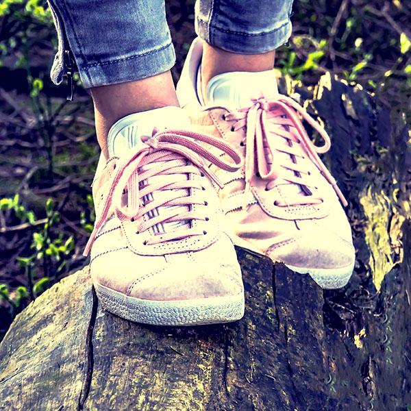 shoes-2216498-Square.jpg