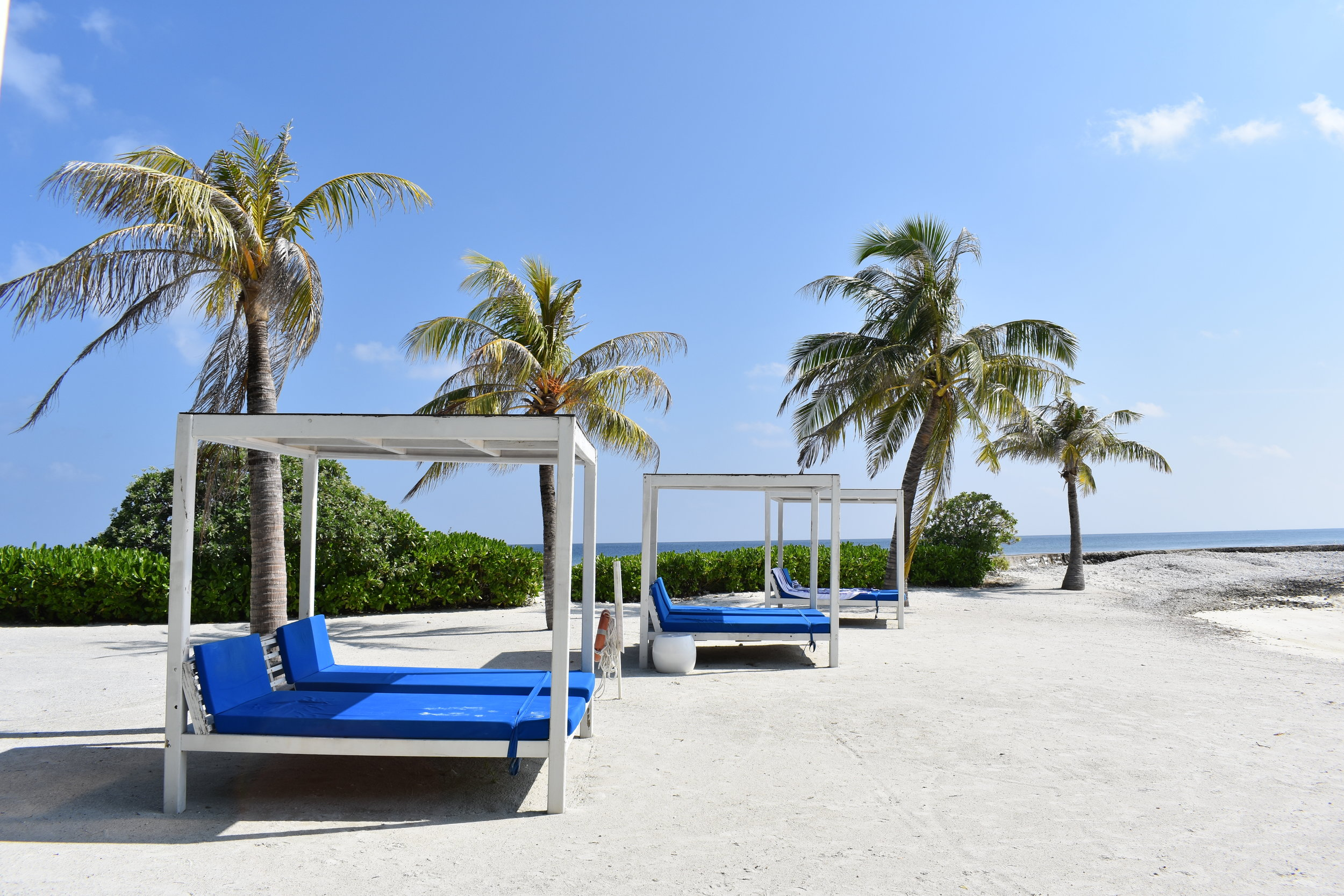 Luxury on a Budget in the Maldives?An Honest Holiday Inn Resort Kandooma Review -