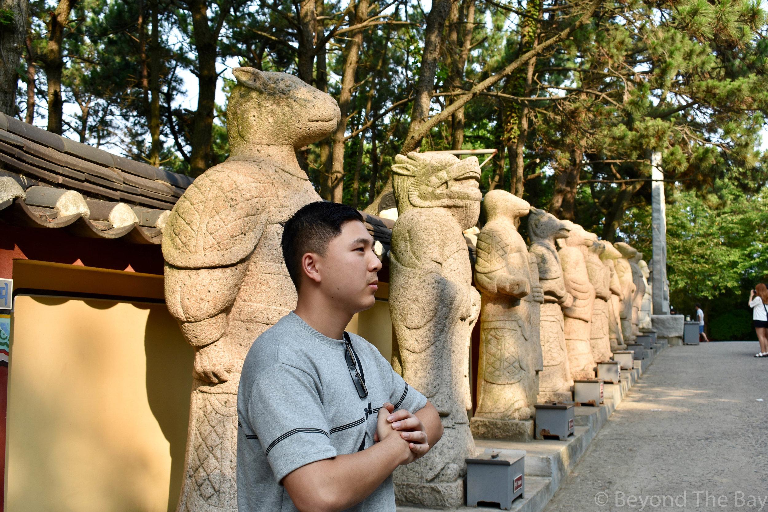 Haedong Yonggunsa Temple statues