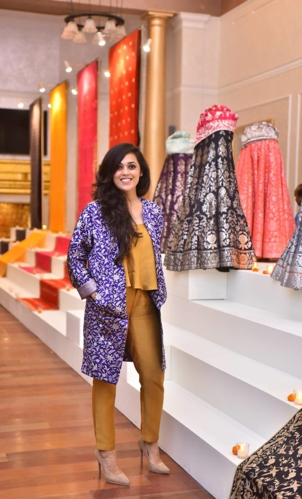 8000 Weavers,3 STORES,2 SUB-BRANDS,1 WOMAN. - Palak Shah, the #Badass female behind one of the most well known Indian labels Ekaya,synonymous with Banarasi textiles, has managed to make traditional look cool enough to appeal to the millennials while maintaining superior quality clubbed with exquisite designs to lure in the older generations.In this exclusive interview with BeBadass she talks about her education, strengths, competitors, fair pricing, team play,'Making It',birth of Thaan, along with everything in between & beyond.Read on to learn how this Badass Boss is