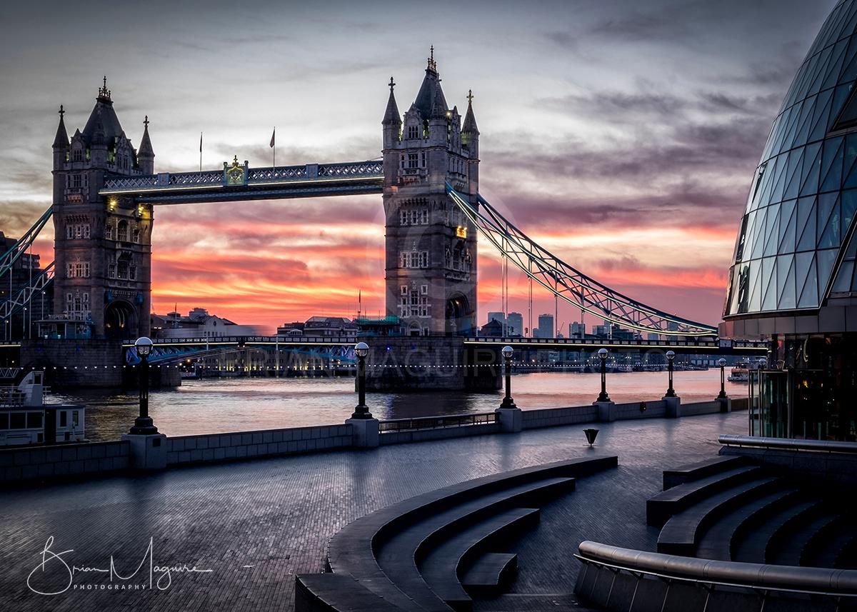 "LON0011 ""Tower Bridge Dawn"""