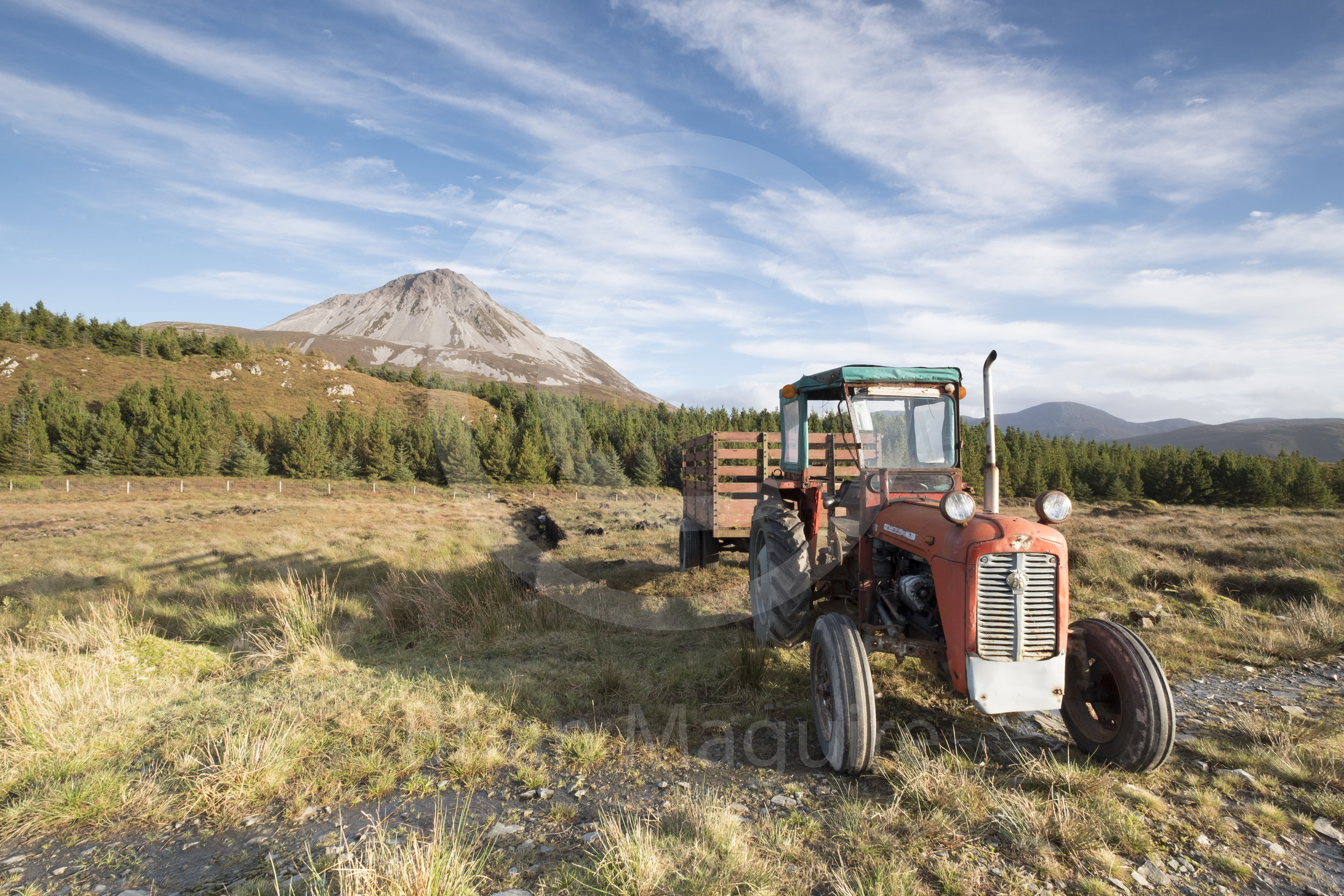 DL0028 Errigal Tractor