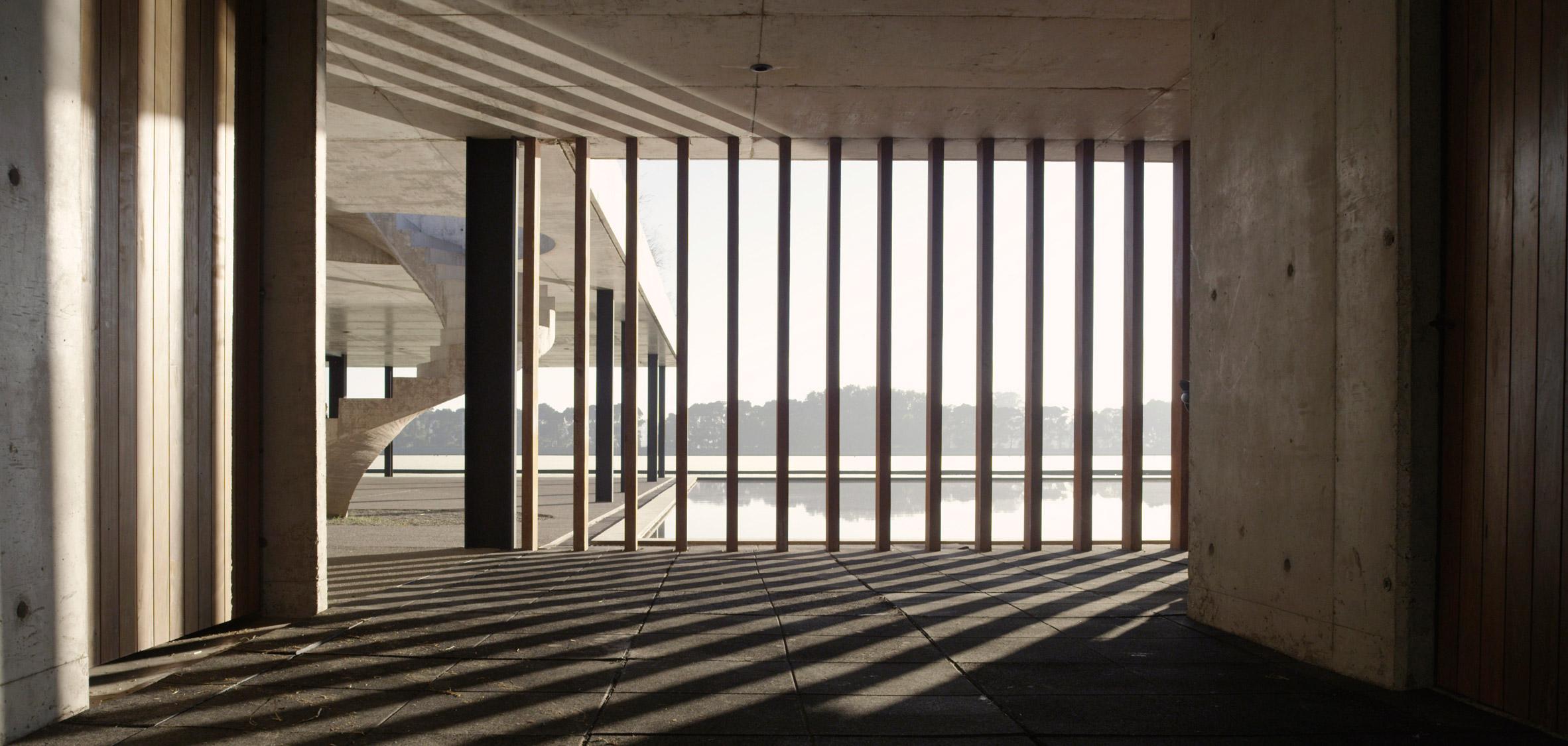 figueras-polo-stables-estudio-ramos-architecture-public-and-leisure_dezeen_2364_col_17.jpg