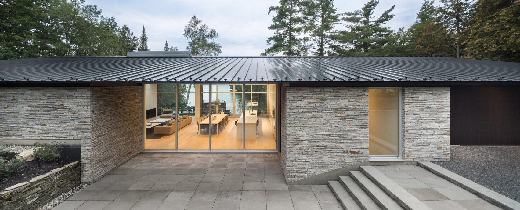 slender-house-mu-architecture-quebec-canada_dezeen_2364_col_0-1704x688.jpg