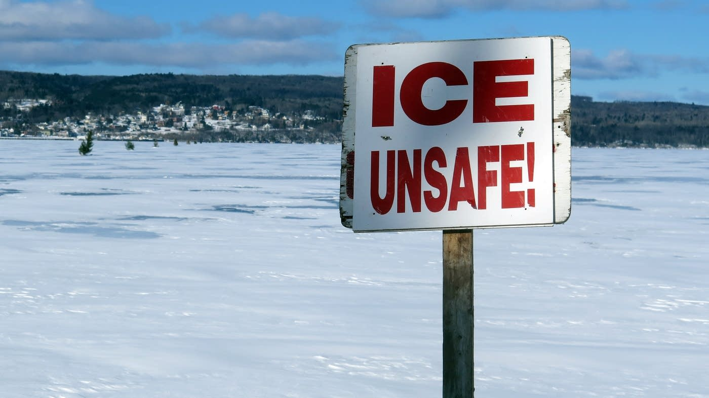 20170210-madeline-island L Superior unsafe ice sign.jpg