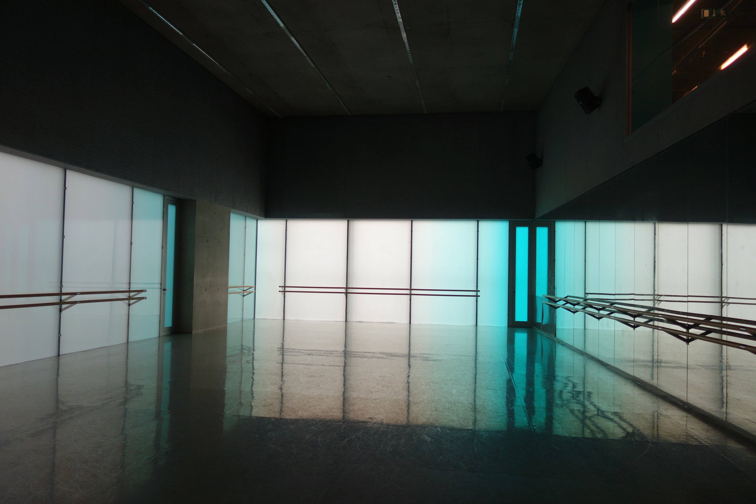 STUDIO 2-.JPG