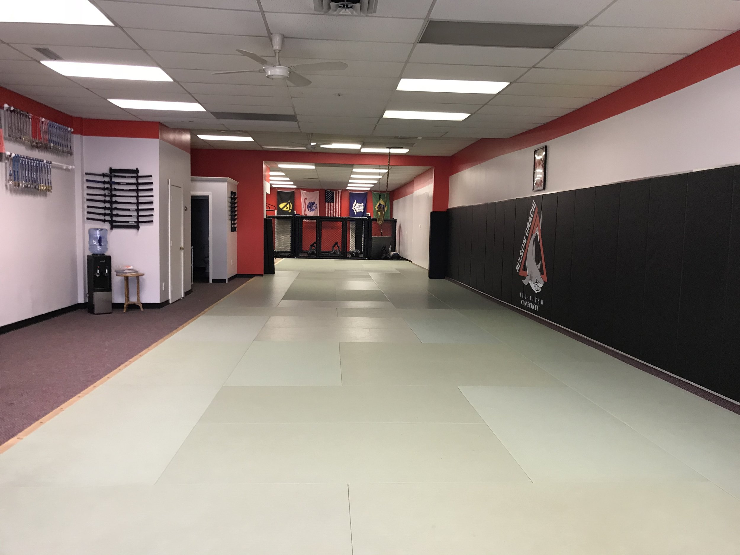 1600 feet of mat space