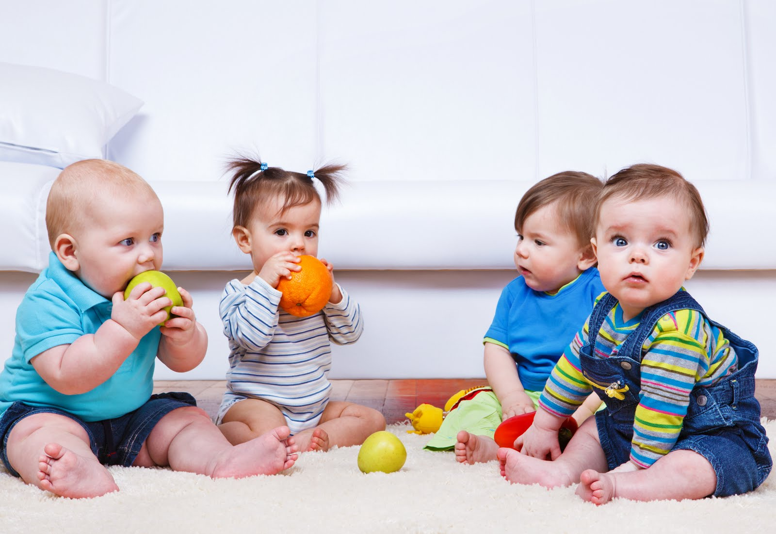 Group-Of-Babies-Playing.jpg