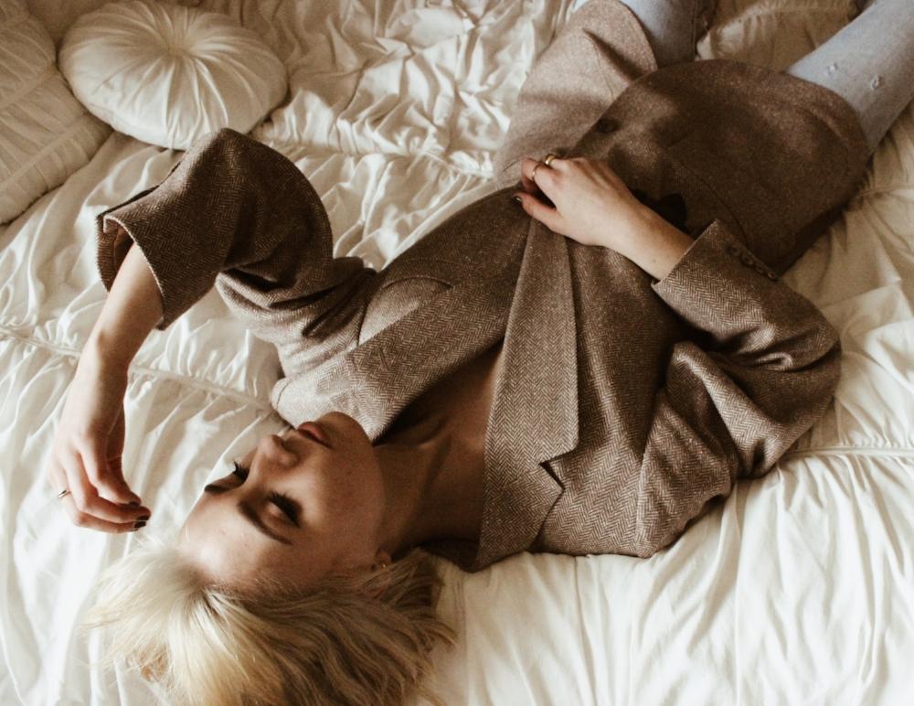 blonde header
