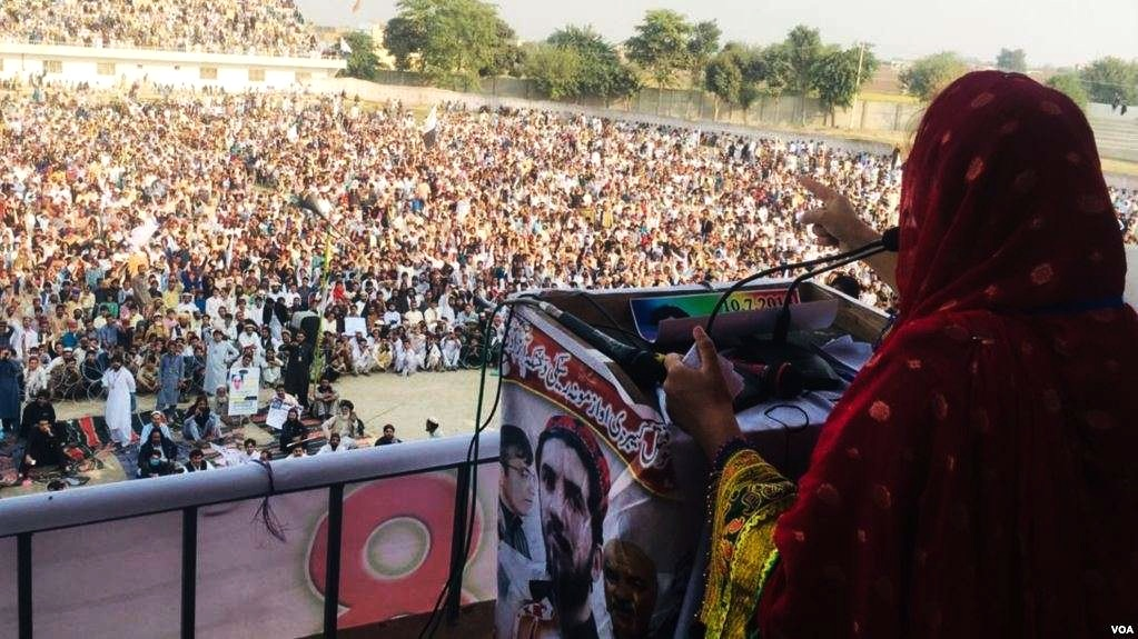 PTM Leader Wrunga Luni speaking to a rally in Bannu, Pakistan. Image:    Larawbar.net