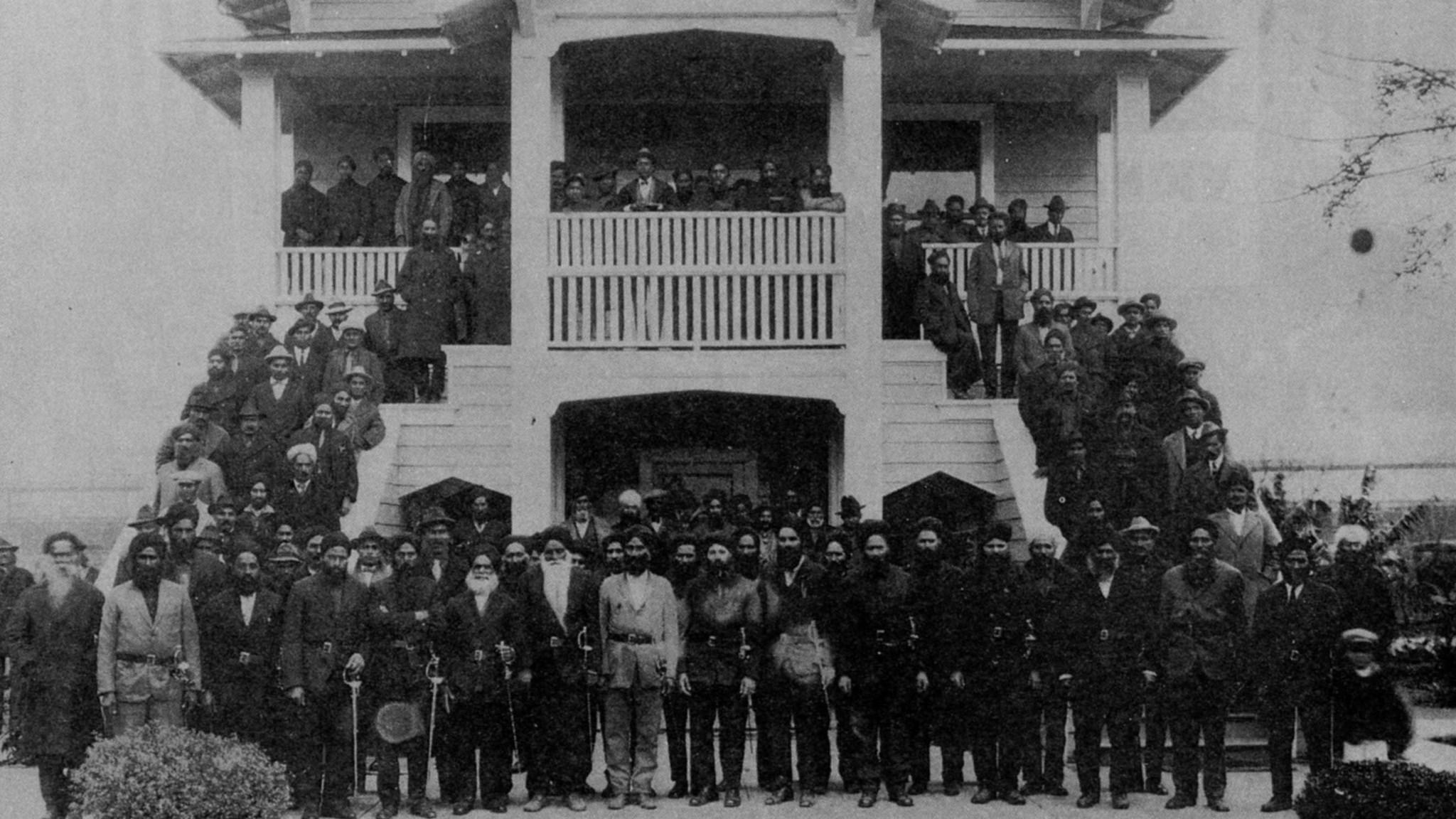 1916 - Ghadar Party members assemble at Stockton gurdwara Image:    DAWN   /Wikimedia