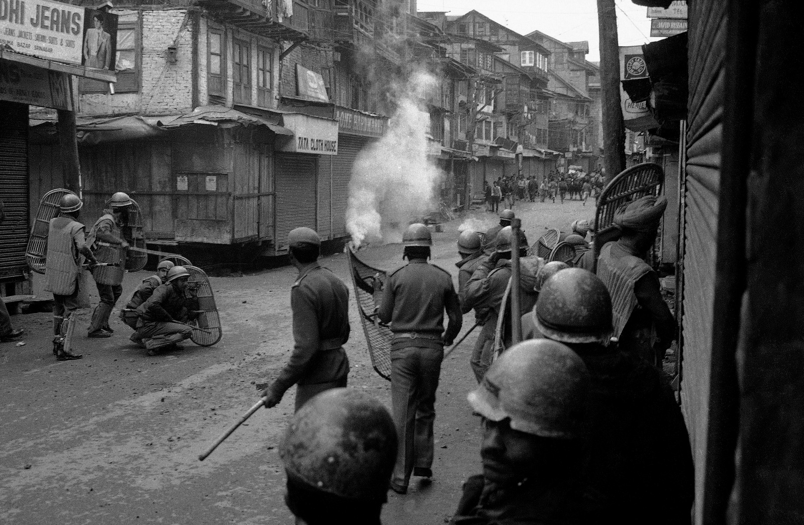 Feb 1990, Srinagar: Indian security forces fighting protesters with tear gas. 1989 saw the beginning of militant insurgency against Indian occupation in Kashmir. Image:    Mint Press News