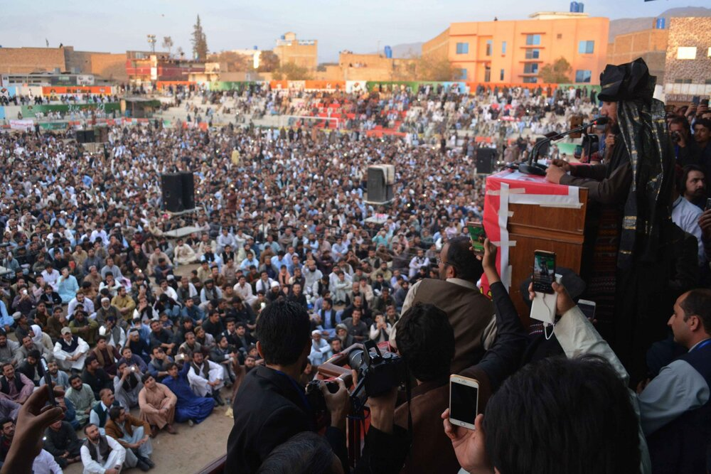PTM rallies have drawn massive crowds of Pashtuns, families of disappeared persons, and members of other oppressed nations across Pakistan since 2018. Here Manzoor Pashteen addresses a PTM rally in Quetta. Image:    New Frame