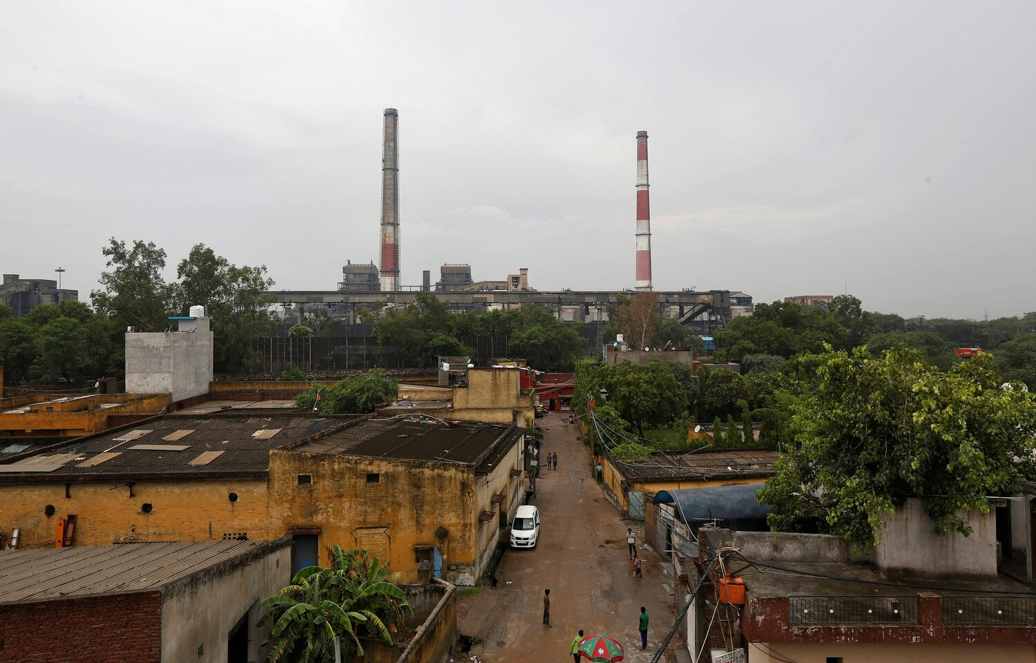 Under a planned phase-in of higher standards, coal-fired plants in New Delhi were given until the end of December 2019, while others had until the end of 2022. Most plants so far have missed their deadlines. Image:    Reuters/Adnan Abidi/File Photo