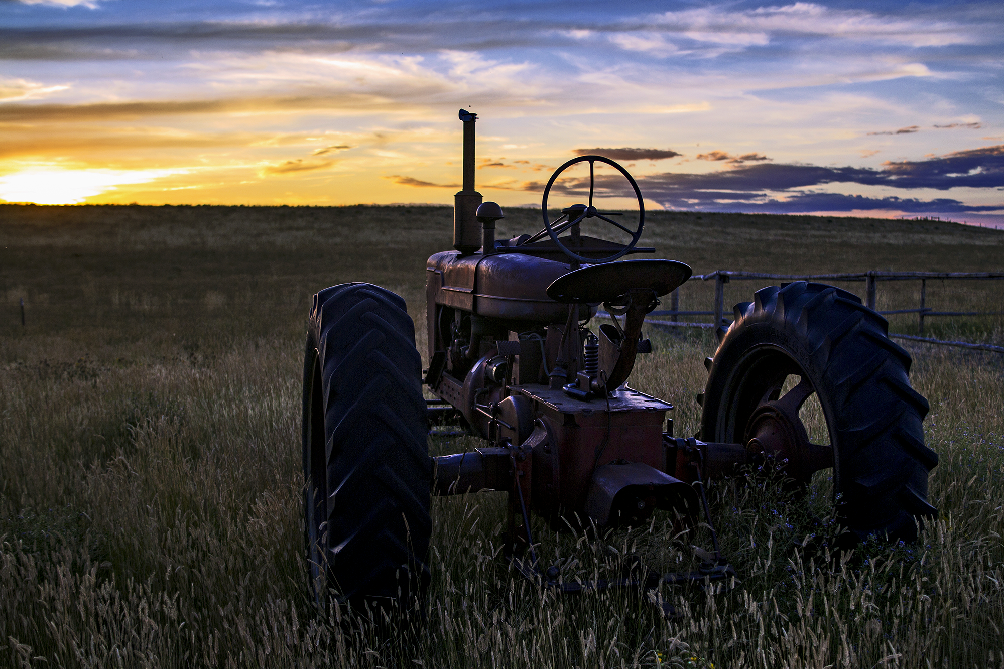 tractor_sunset.png