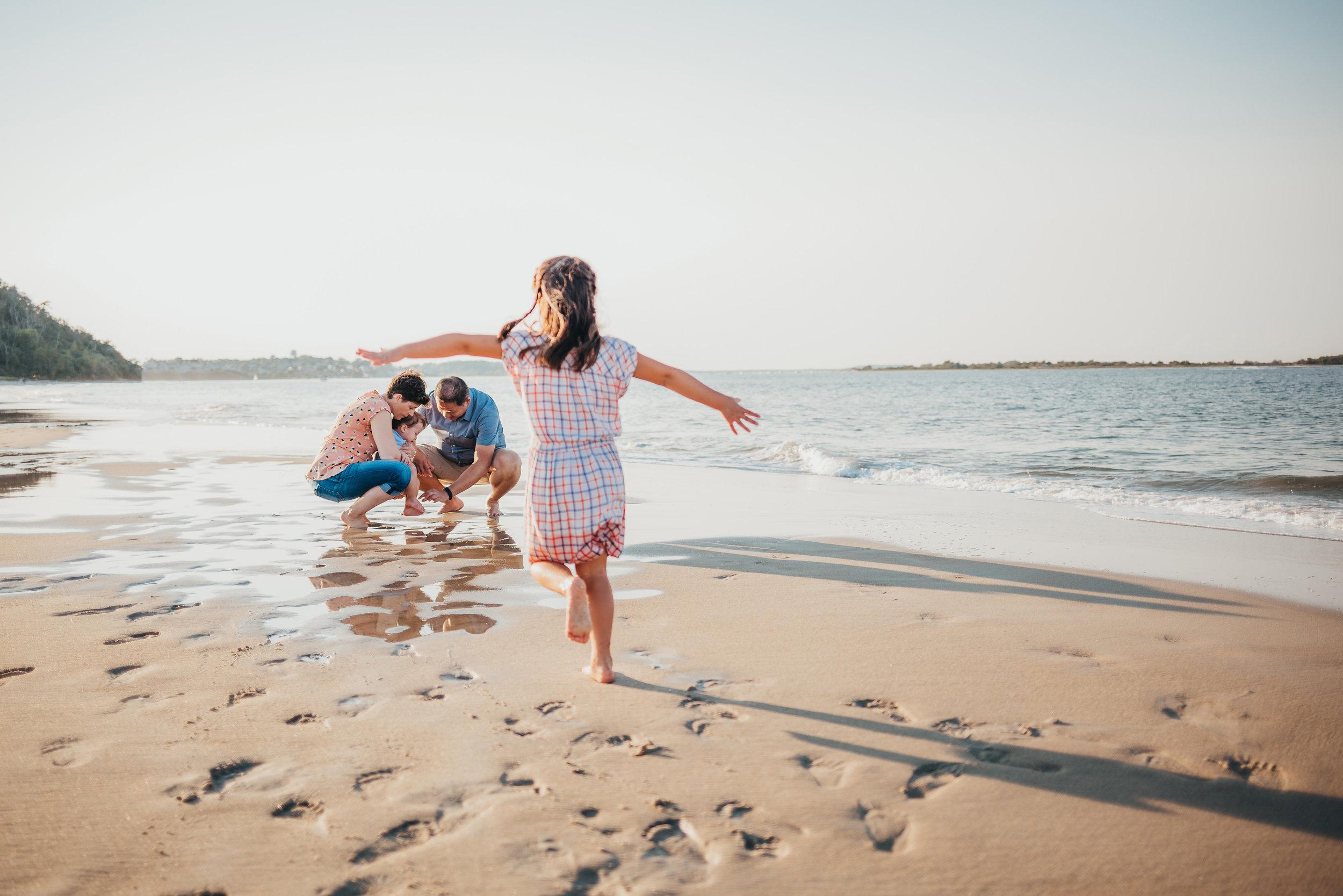 family-beach-photos-massachusetts-joy-leduc-boston-family-photographer.jpg