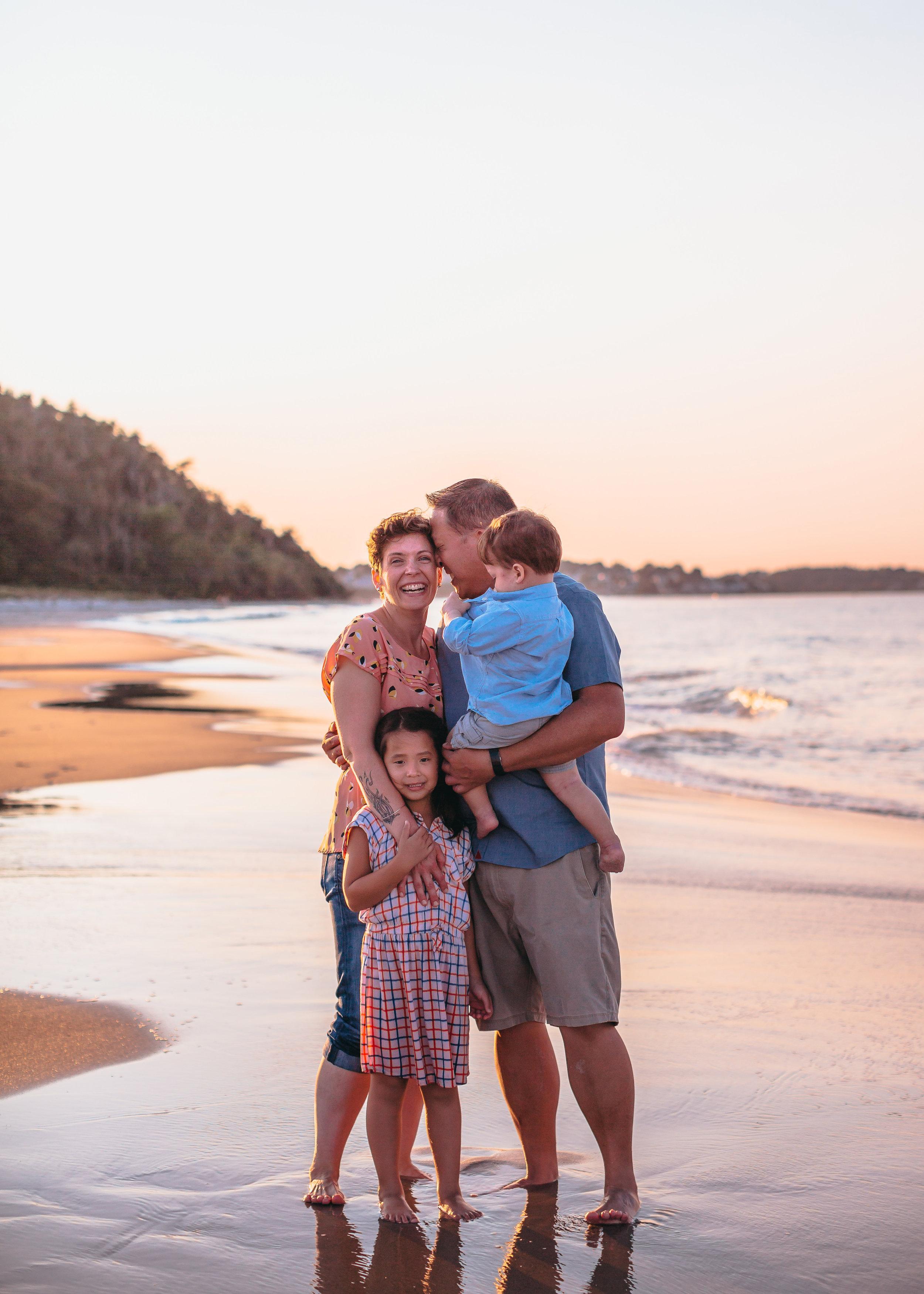 golden-hour-beach-family-photos-boston-family-photographer-joy-leduc.jpg