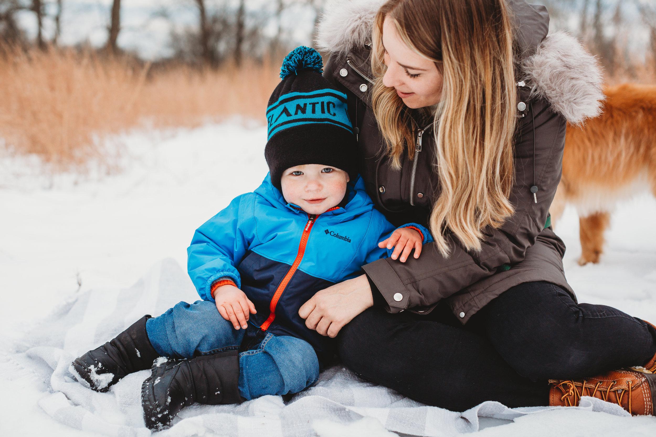 Family photos in the snow / Boston family photographer