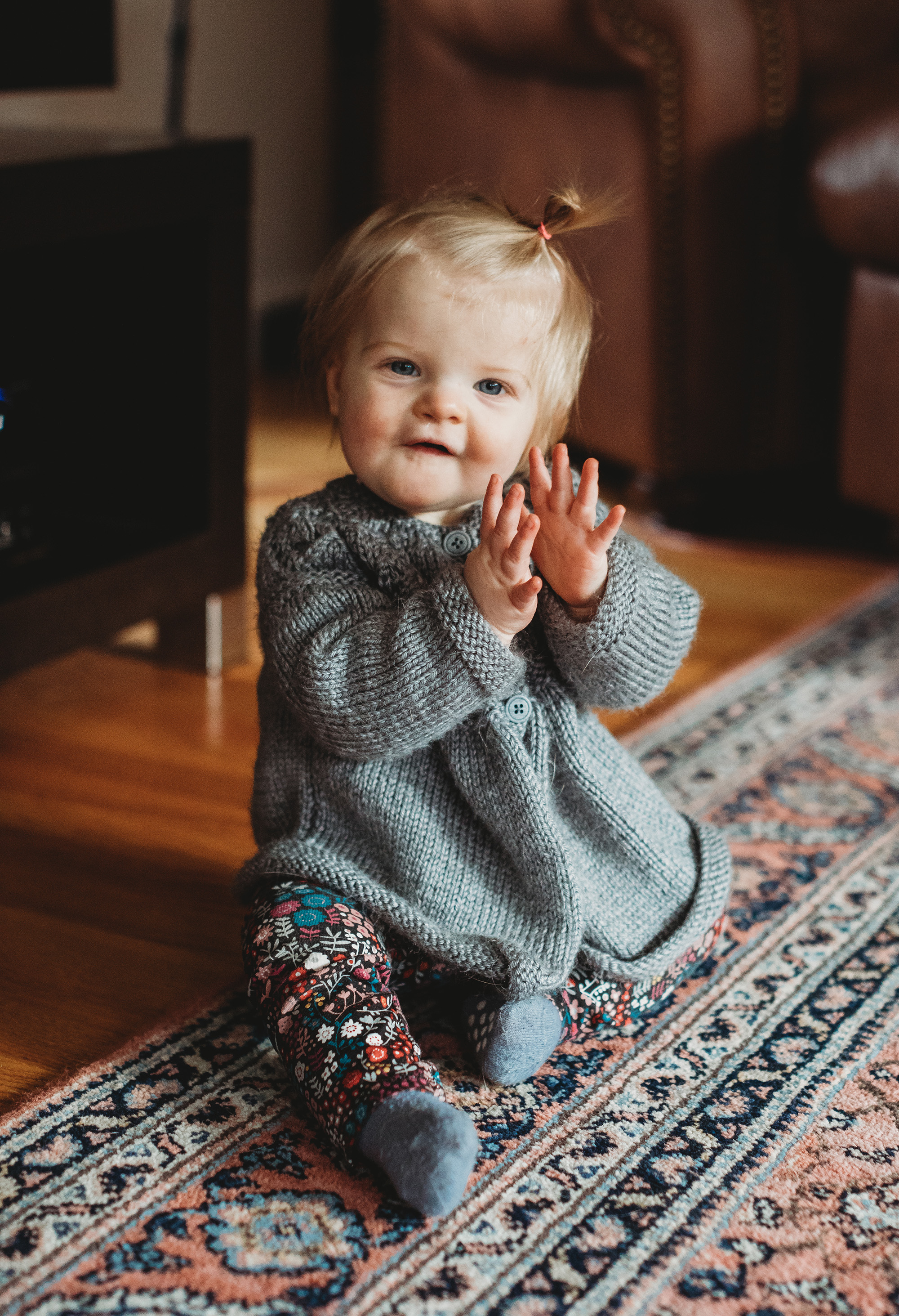 Cable knit sweaters. Baby fashion tips from family photographer Boston. Lifestyle, natural light.