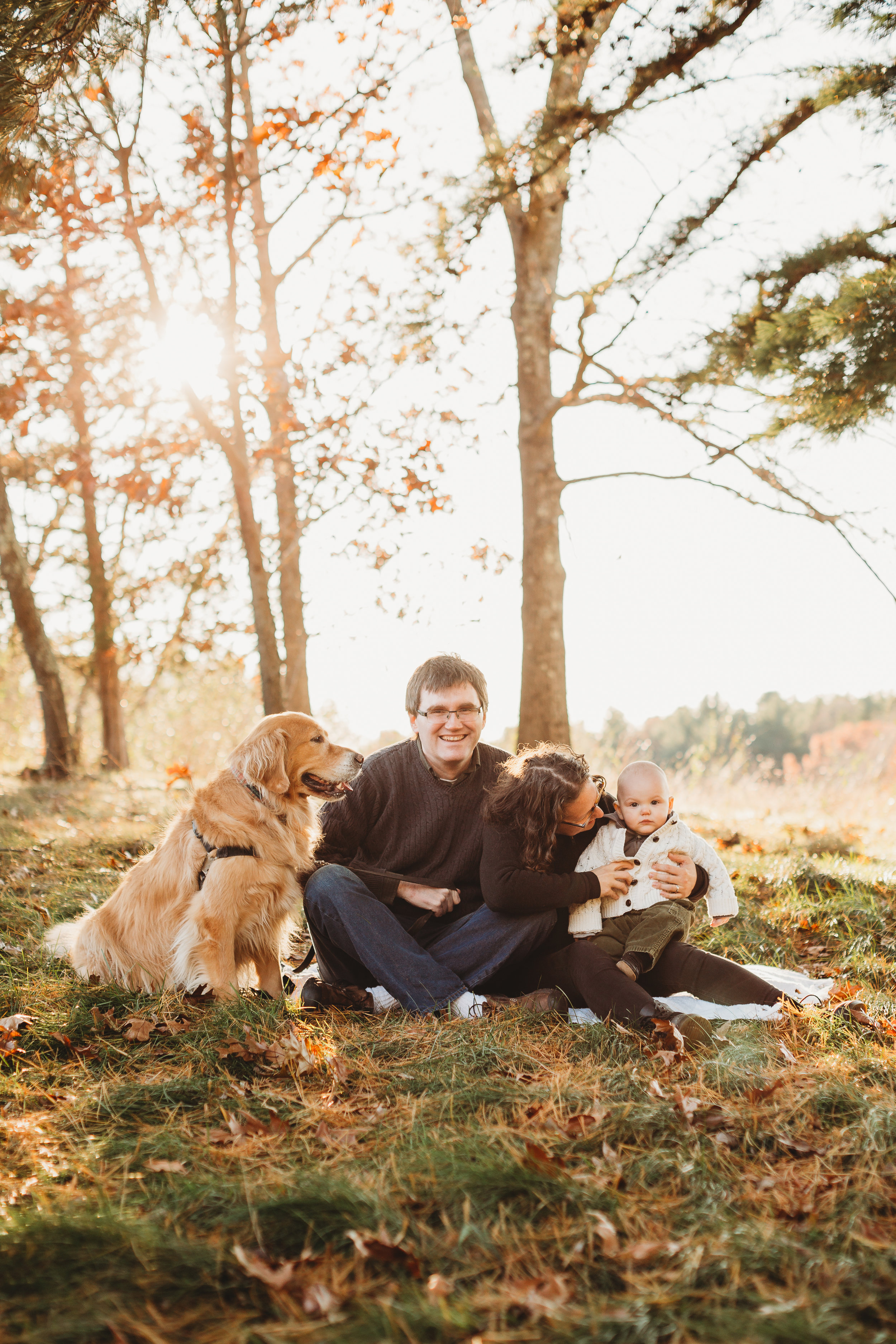 Fall is the busiest time of year for family photos! Heres's the key to getting the date you want. Boston family photographer Joy LeDuc.