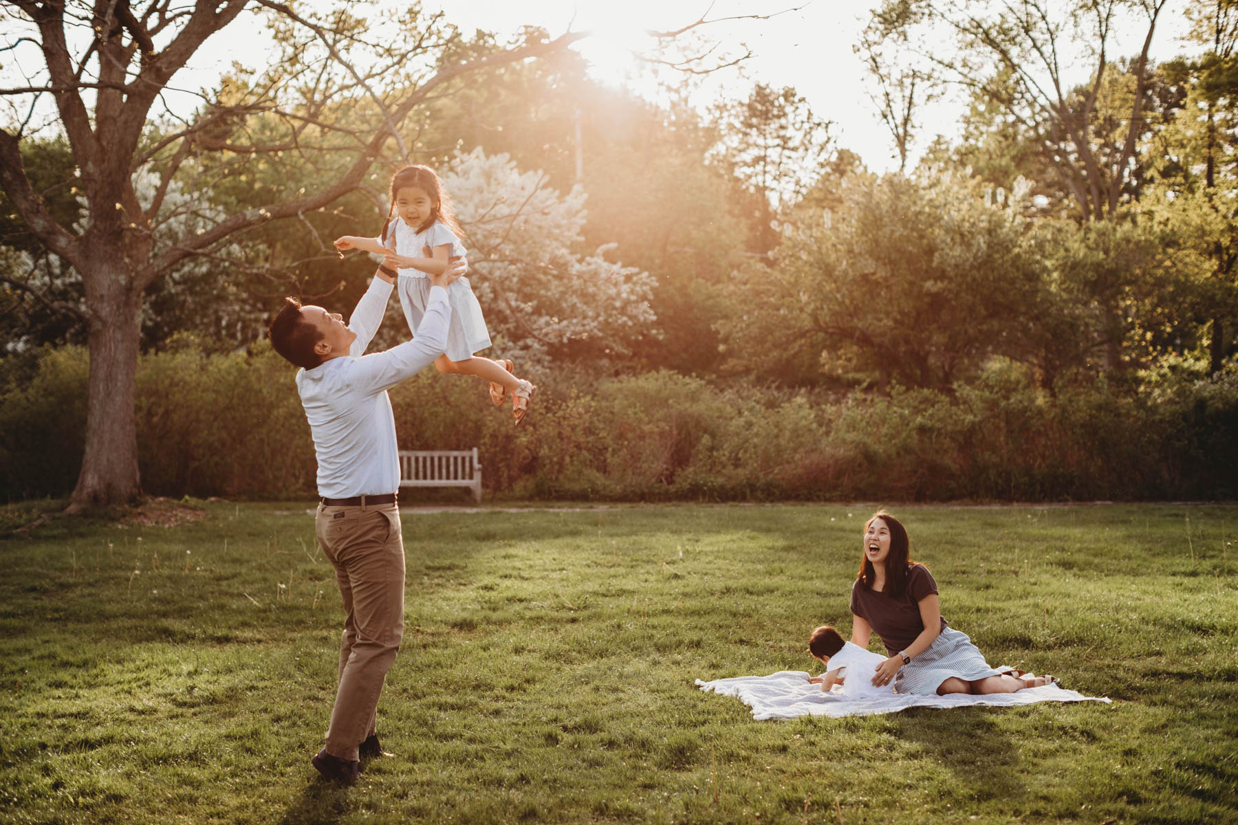 My best tips for keeping kids happy and engaged during a family photo session in Greater Boston.
