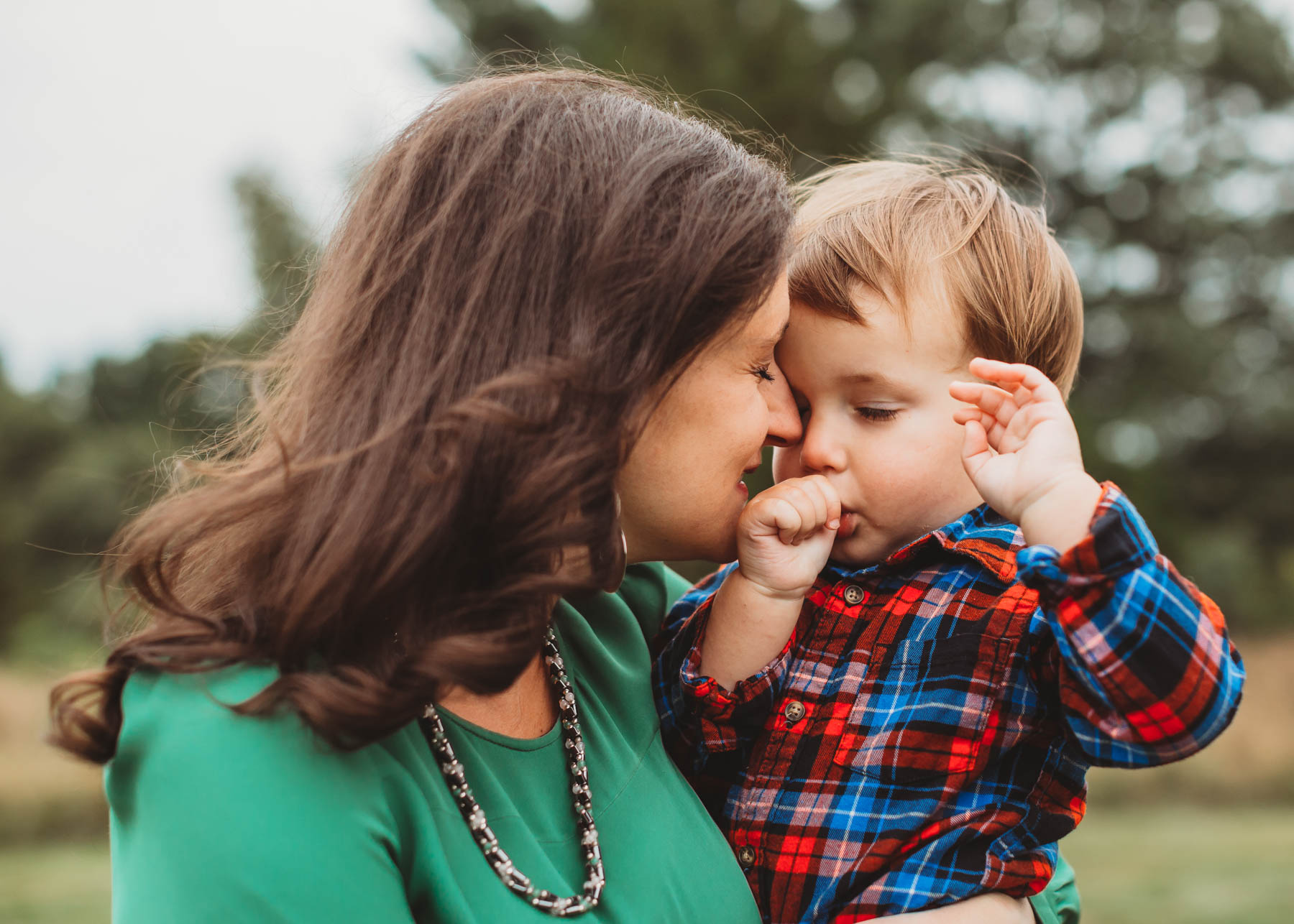 There are only so many weekends for fall family photos! The best way to snag a date with a great Boston family photographer is to PLAN AHEAD. Get in touch as soon as you have a date in mind and make sure it's solidly set in your calendar.