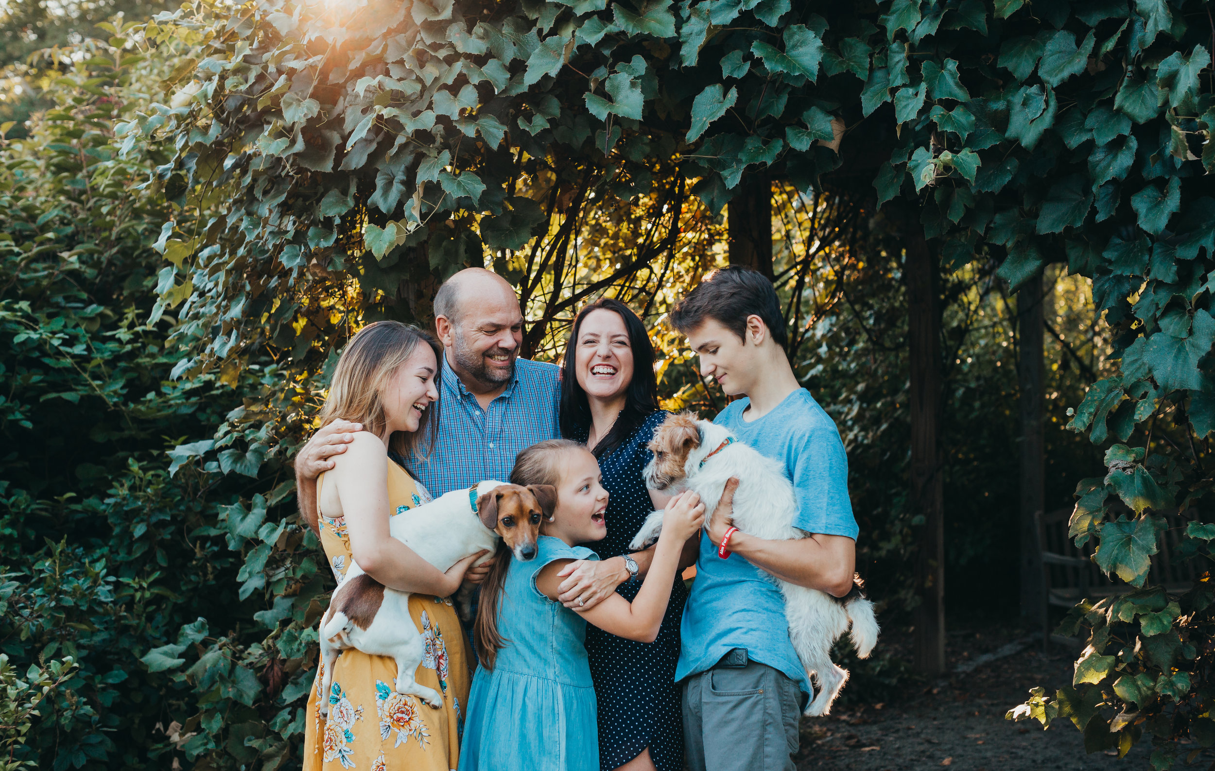 what-to-wear-family-photos-coordinate-dont-match-boston-family-photographer-joy-leduc.jpg