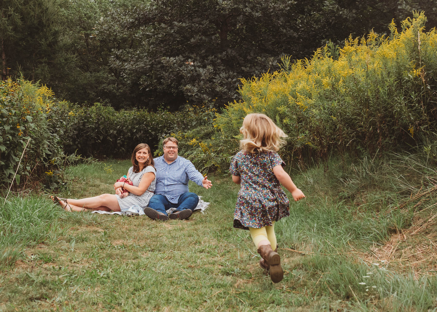 Sudbury, Massachusetts family chose to do an indoor/outdoor newborn session to welcome their second baby girl! This spot in Carlisle at Great Brook Farm is just one of many gorgeous spots for Greater Boston family photos. Lifestyle newborn photography.