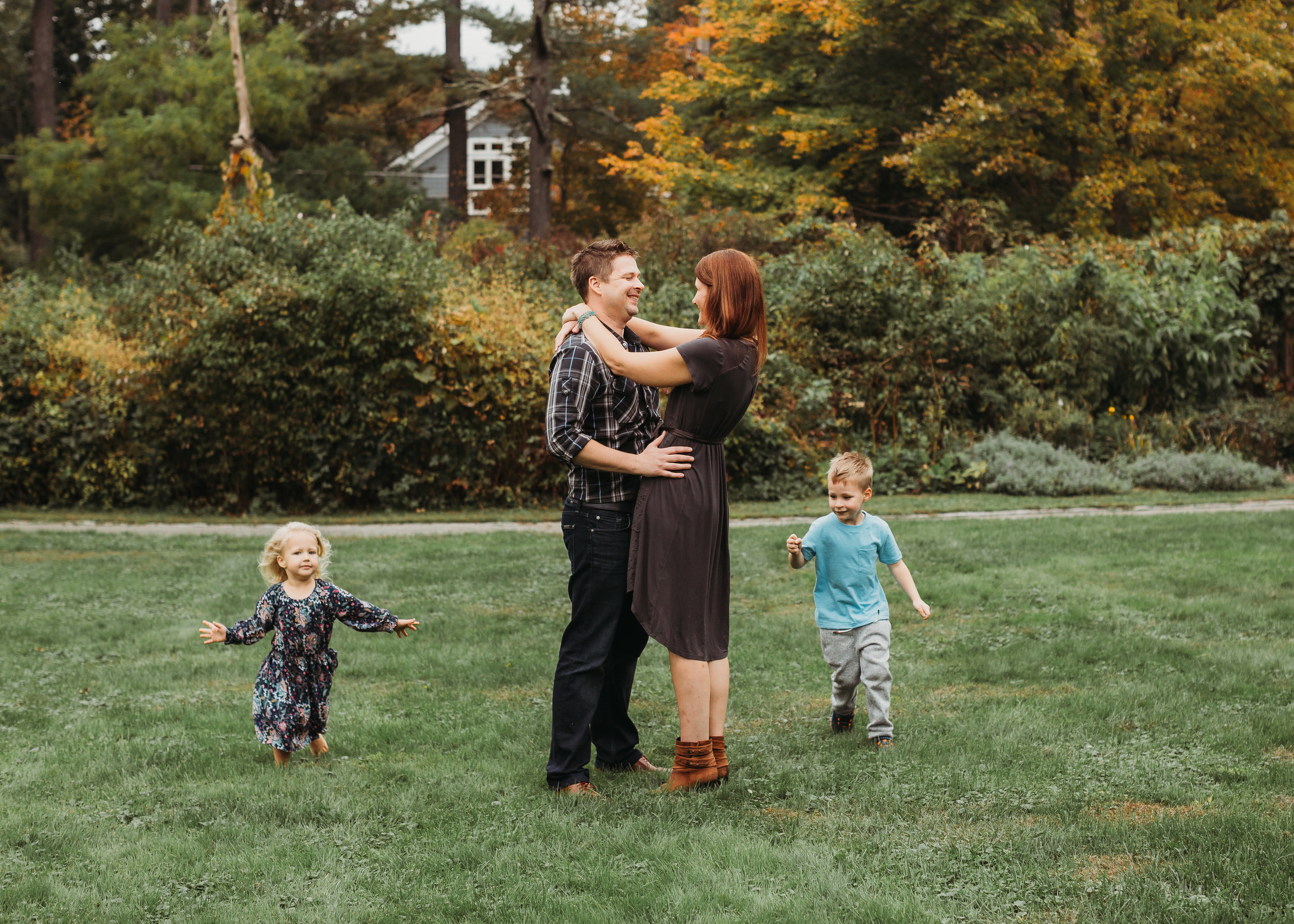 get-whole-family-excited-family-photos-bostonfamilyphotographer-6.jpg