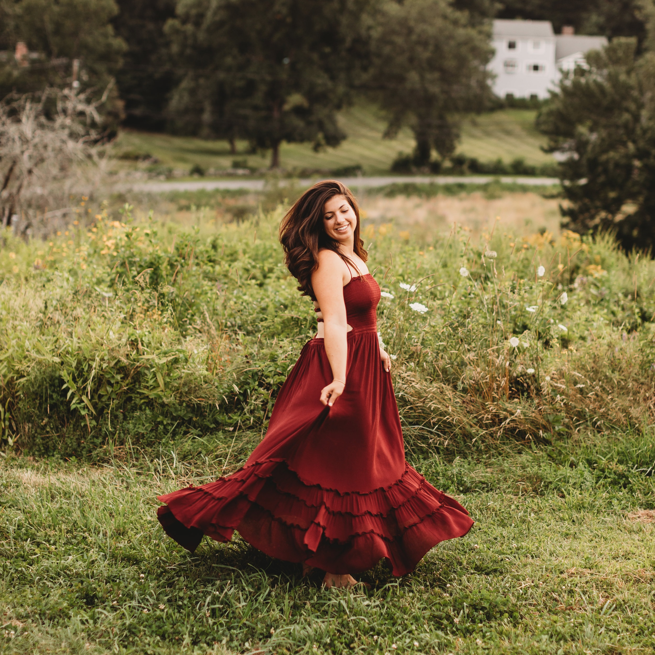At Joy LeDuc Photography, we have a selection of long dresses available for clients to borrow for their photo shoots. This makes it so much easier to choose outfits for the whole family!