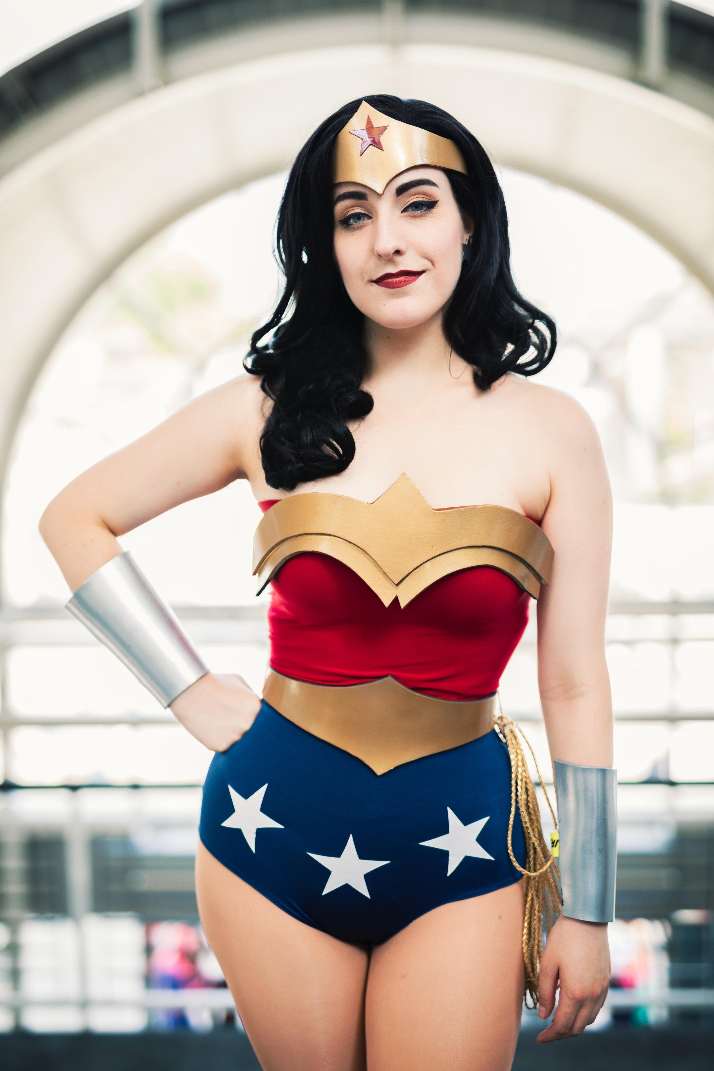 Classic Wonder Woman Cosplay