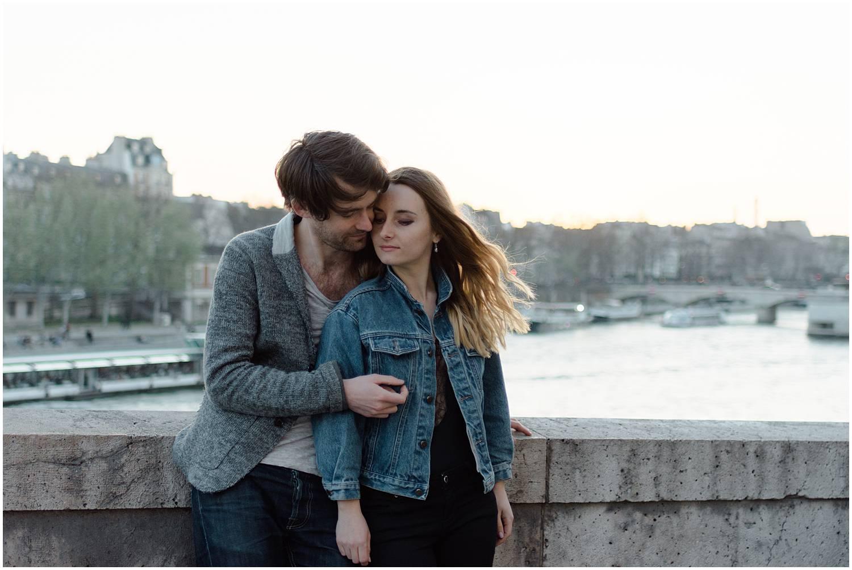 Engagement session close to Notre Dame de Paris