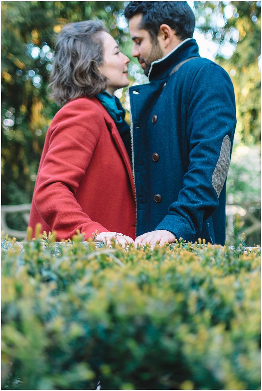 Engagement session in Buttes Chaumont Paris