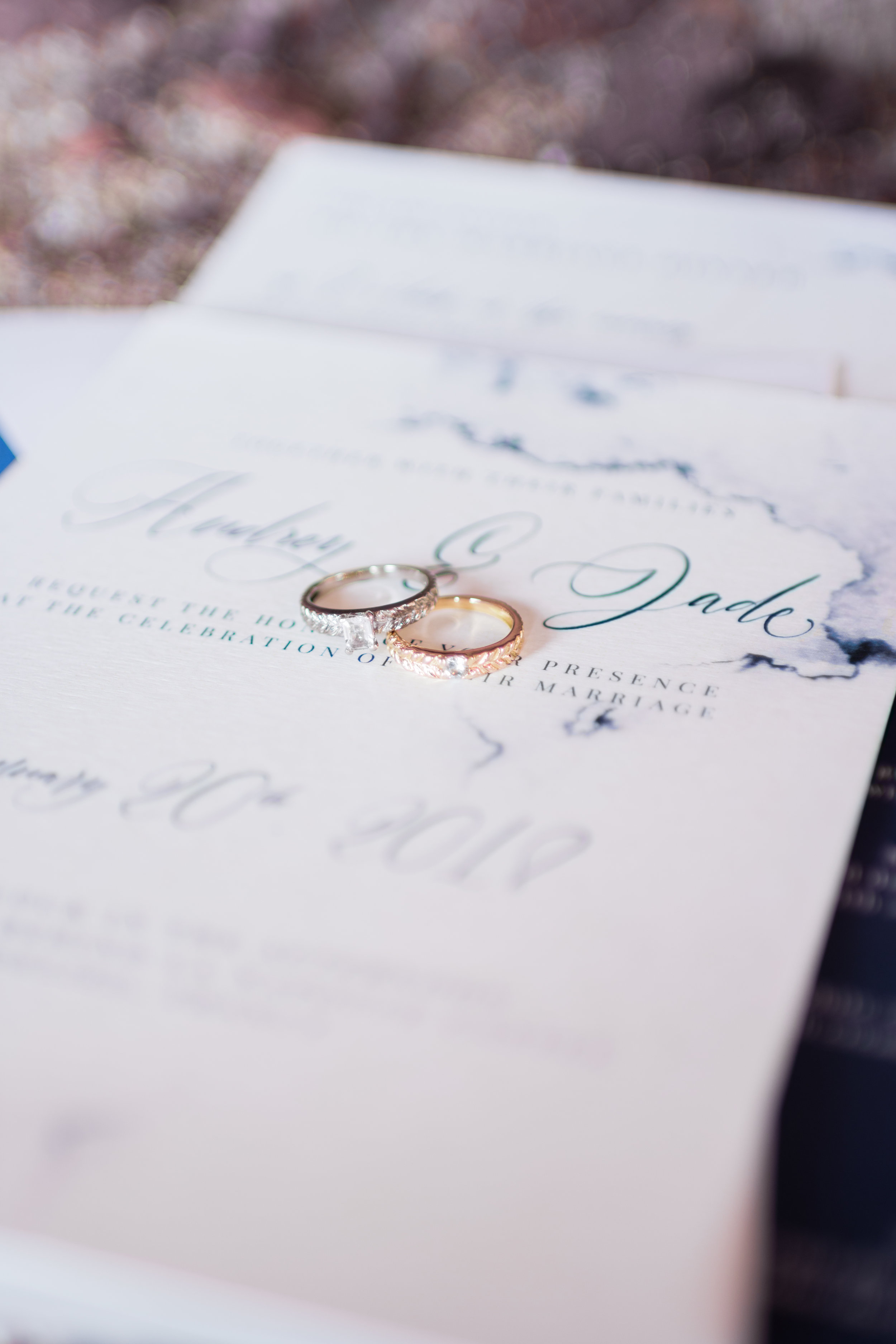 rings from Alice Worshop on a stationery from Atelier Frigga