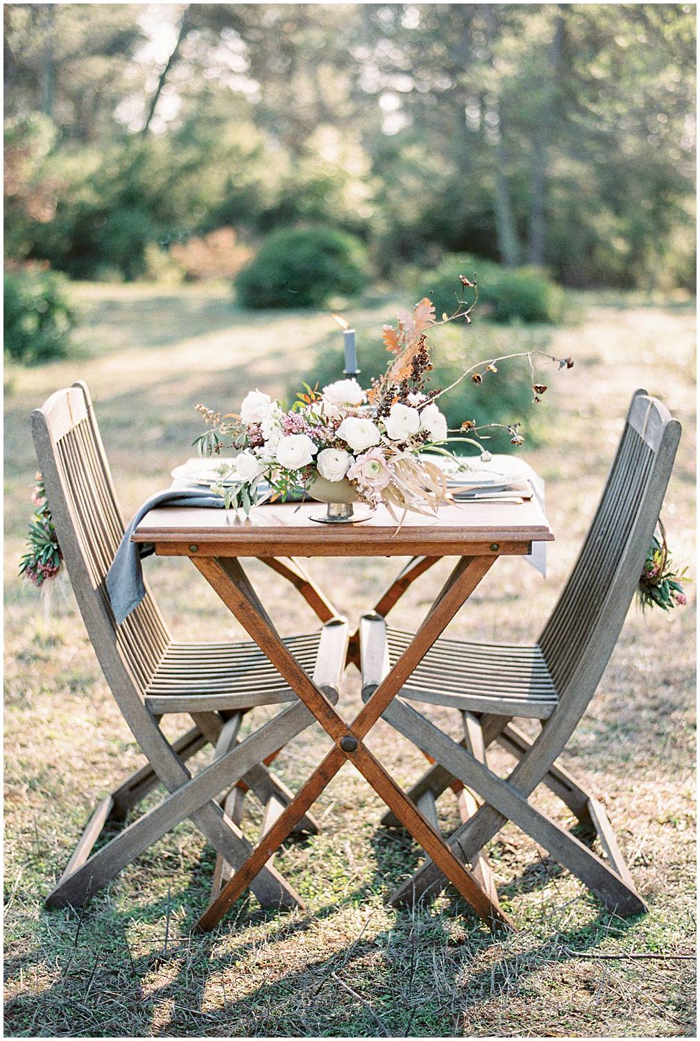 Floral wedding table composition