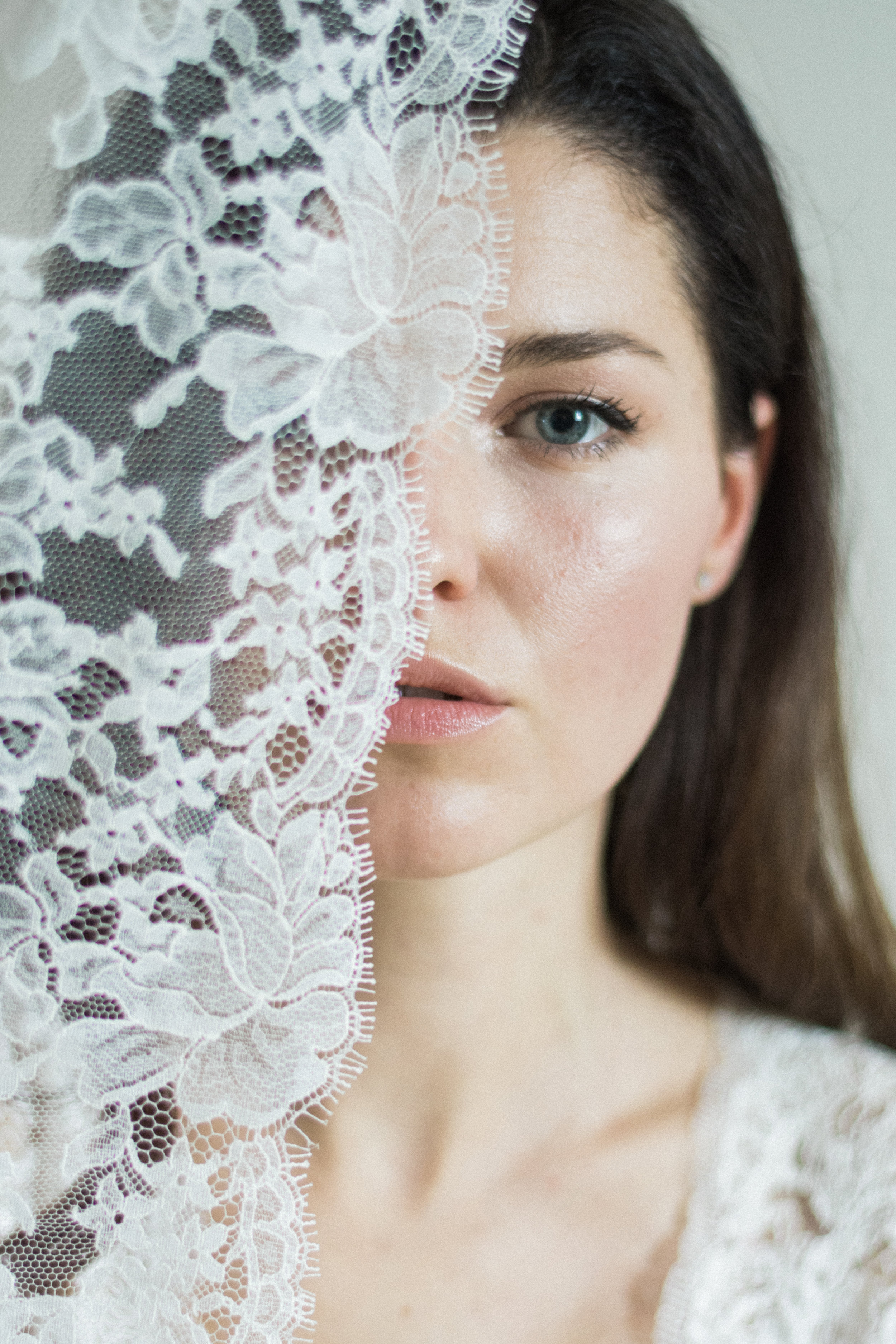 Portrait and boudoir session of a bride Paris