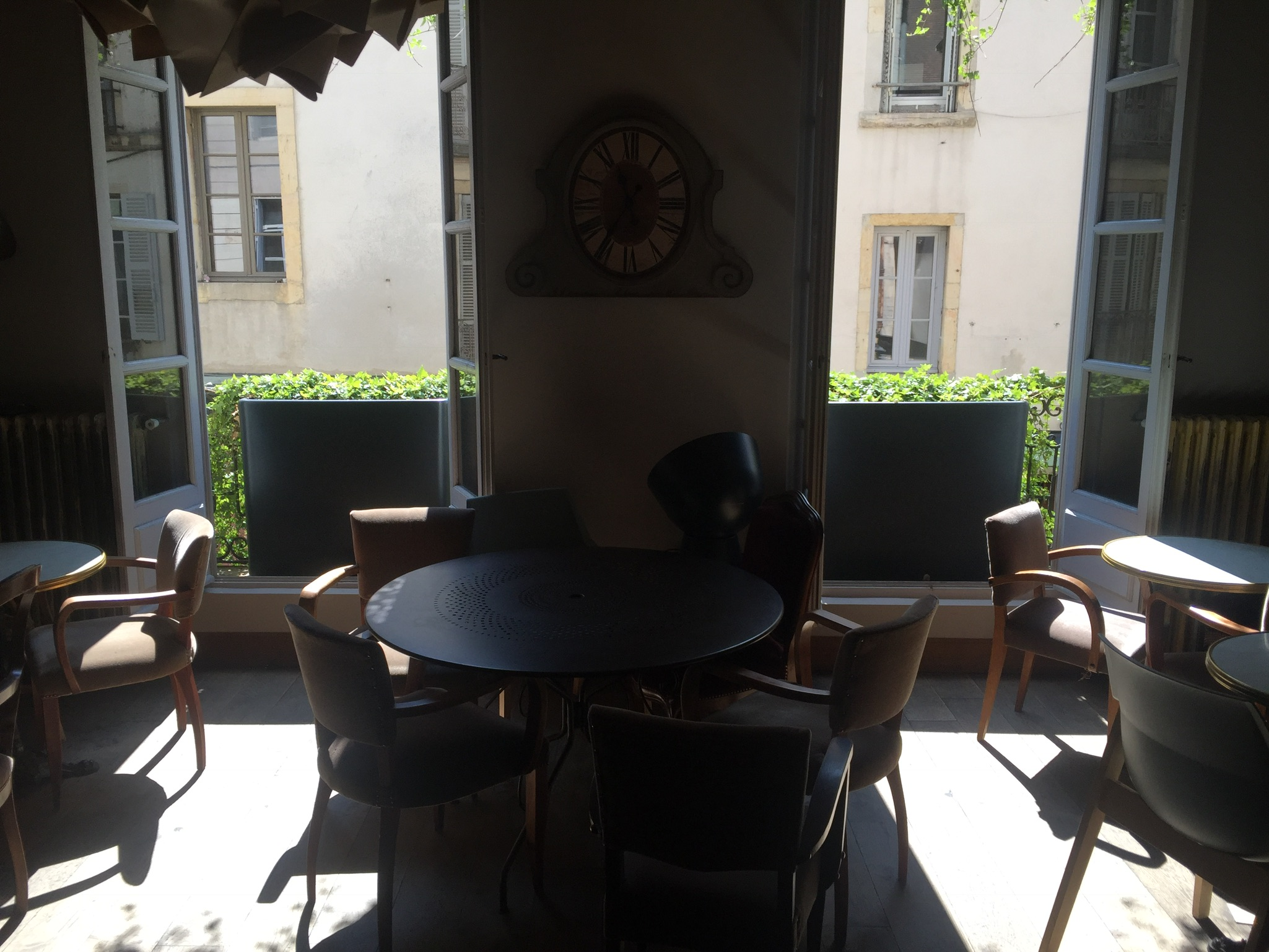 The only picture of the café in Dijon that I took!