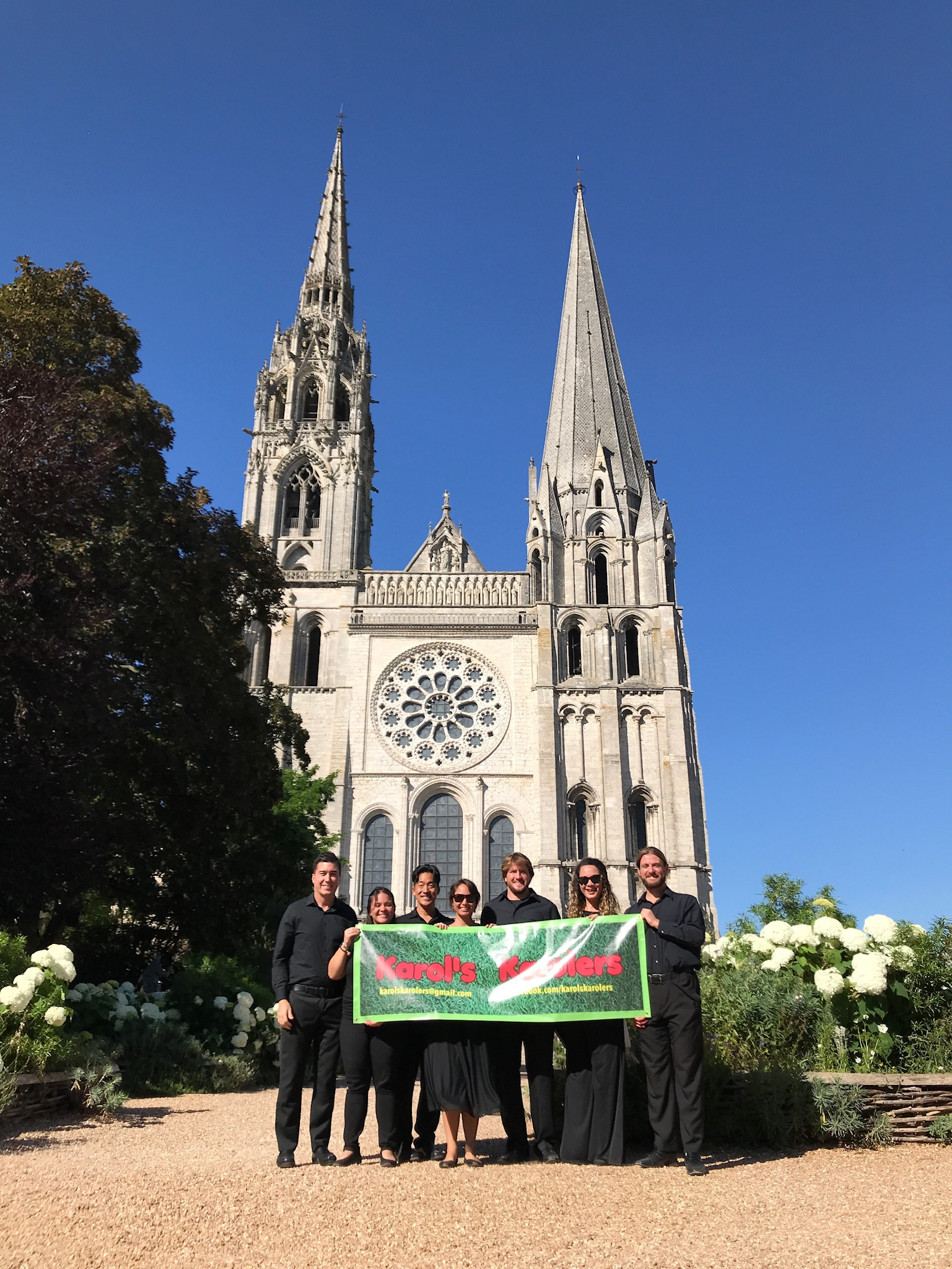 A banner picture in front of the cathedral after the concert.