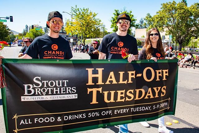 "Mark your calendar! 🗓 Only ☝🏼 more day before ""Half Off Tuesday""💚 Happy Hour is from 3-6pm and starting at 5pm all food & drinks will be half off until 9:30pm! Hurry in! . . . . . . . #stoutbrothers #stouts #stout #santarosa #sr #sonoma #sonomacounty #downtown #beer #craftbeer #cocktails #happyhour #lunch #dinner #wheretoeat #friends #goodvibes #drink #drinks #foodie #irishpub #foodporn #foodstagram #wine #yum #nom"