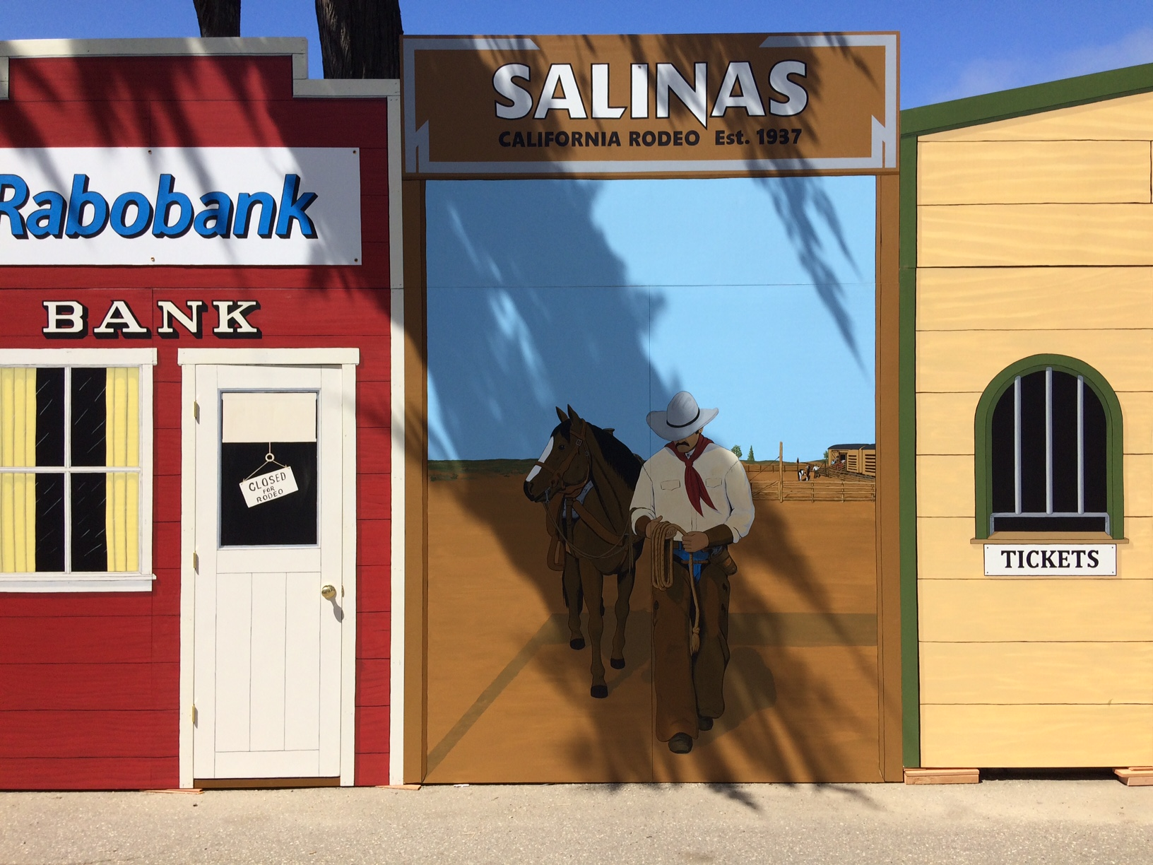 western mural and westernfacade_california_rodeo_salinas4.JPG