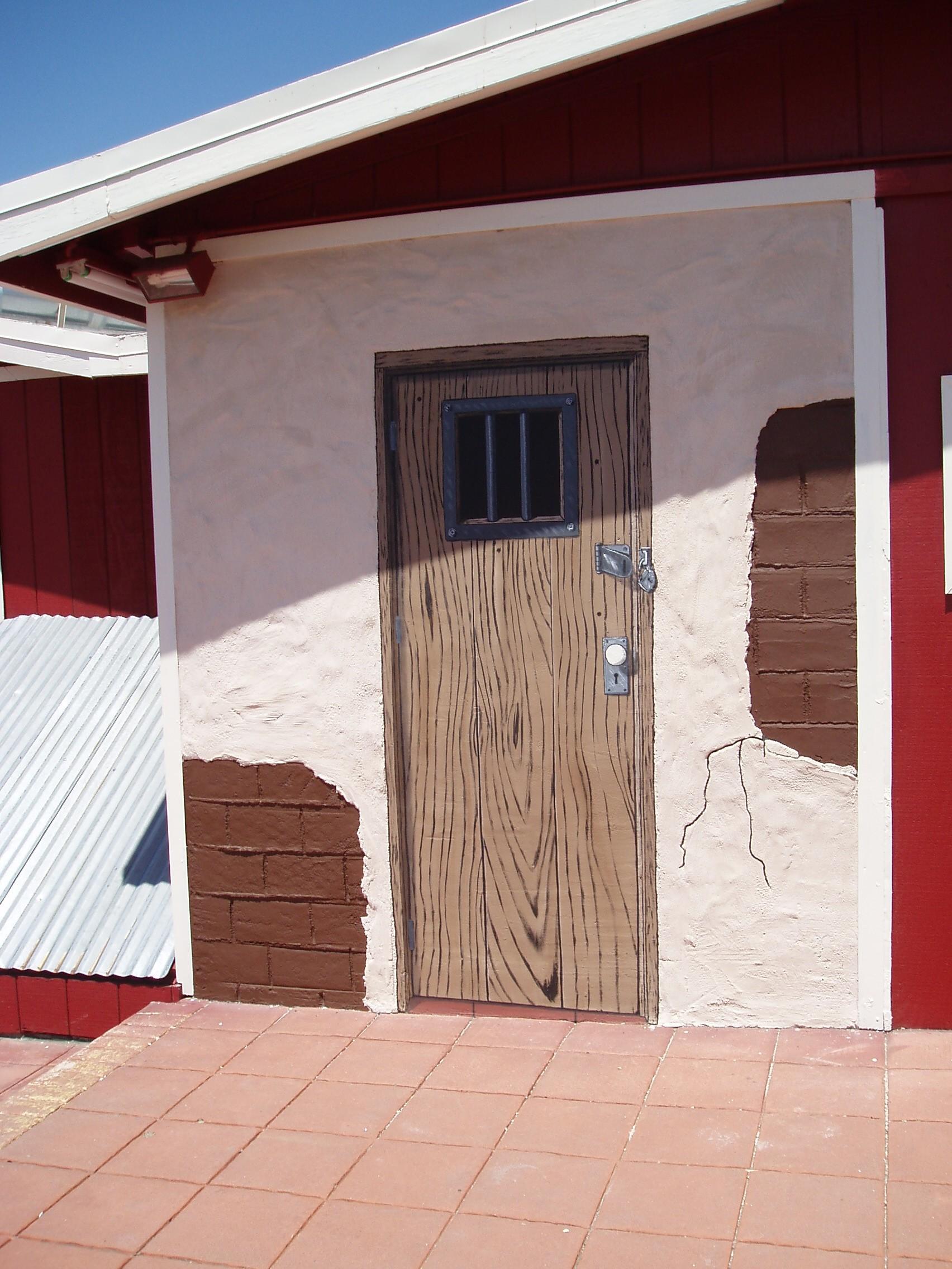 Western Mural Wagon Wheel Restaurant exterior Santee California 12.JPG