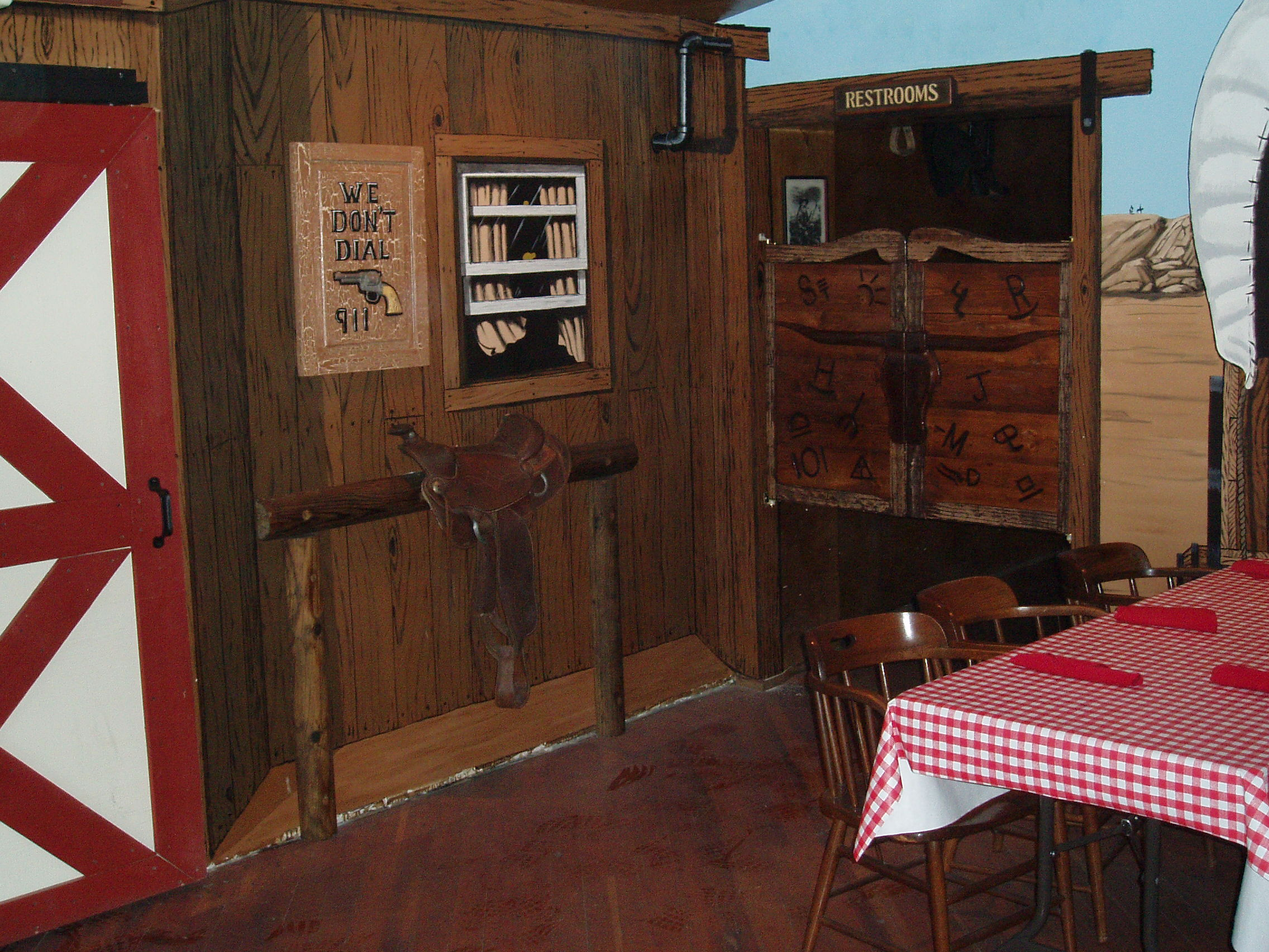 Western Woodwork & Mural Wagon Wheel Restaurant Interior Santee California 6.JPG